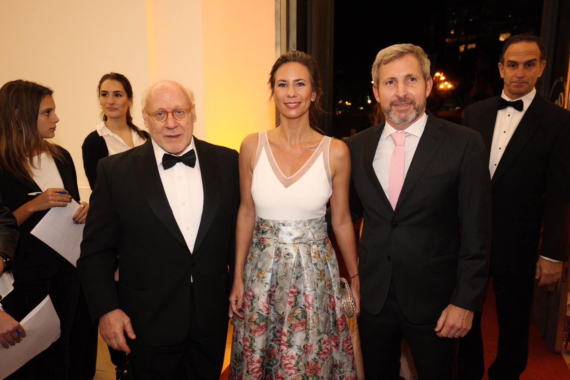 Julio César Crivelli, Rogelio Frigerio y su mujer Victoria Costoya