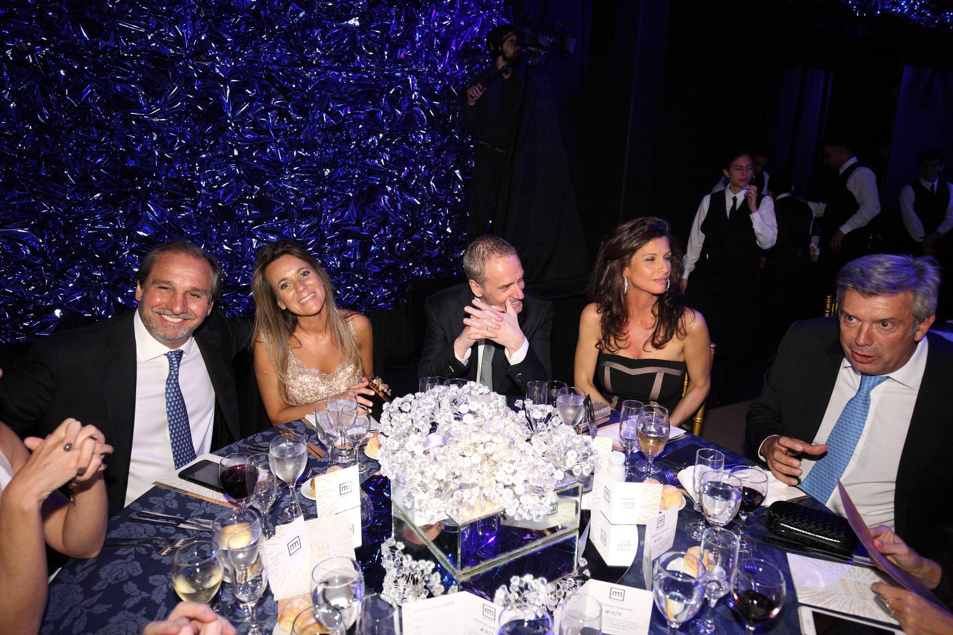Nicolás Caputo, Diego Santilli y Rogelio Frigerio también compartieron la mesa con el abogado Mauricio Dalessandro y su mujer Mariana Gallego
