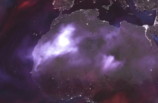 El polvo del Sahara representado con las manchas blancas sobre el norte de Africa (Foto: NASA)