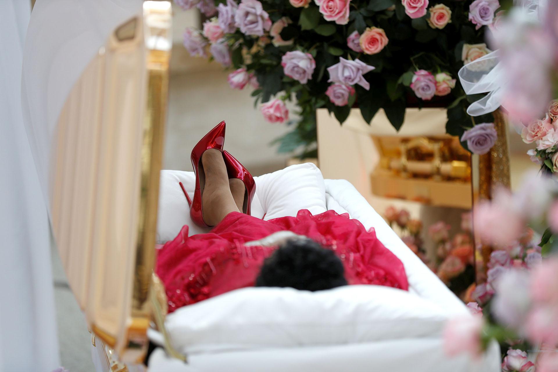 El cuerpo de la cantante estadounidense Aretha Franklin fue exhibido durante su velatorio el 28 de agosto