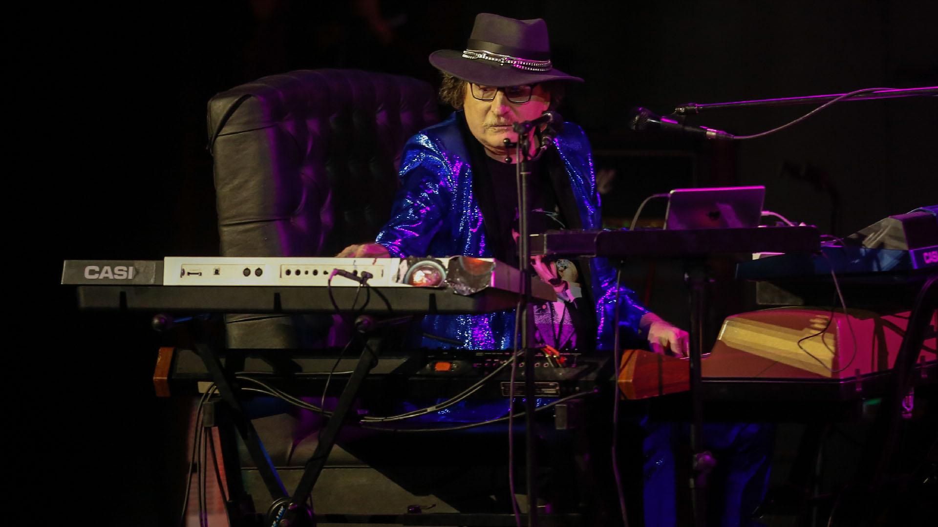 Charly y su teclado mágico