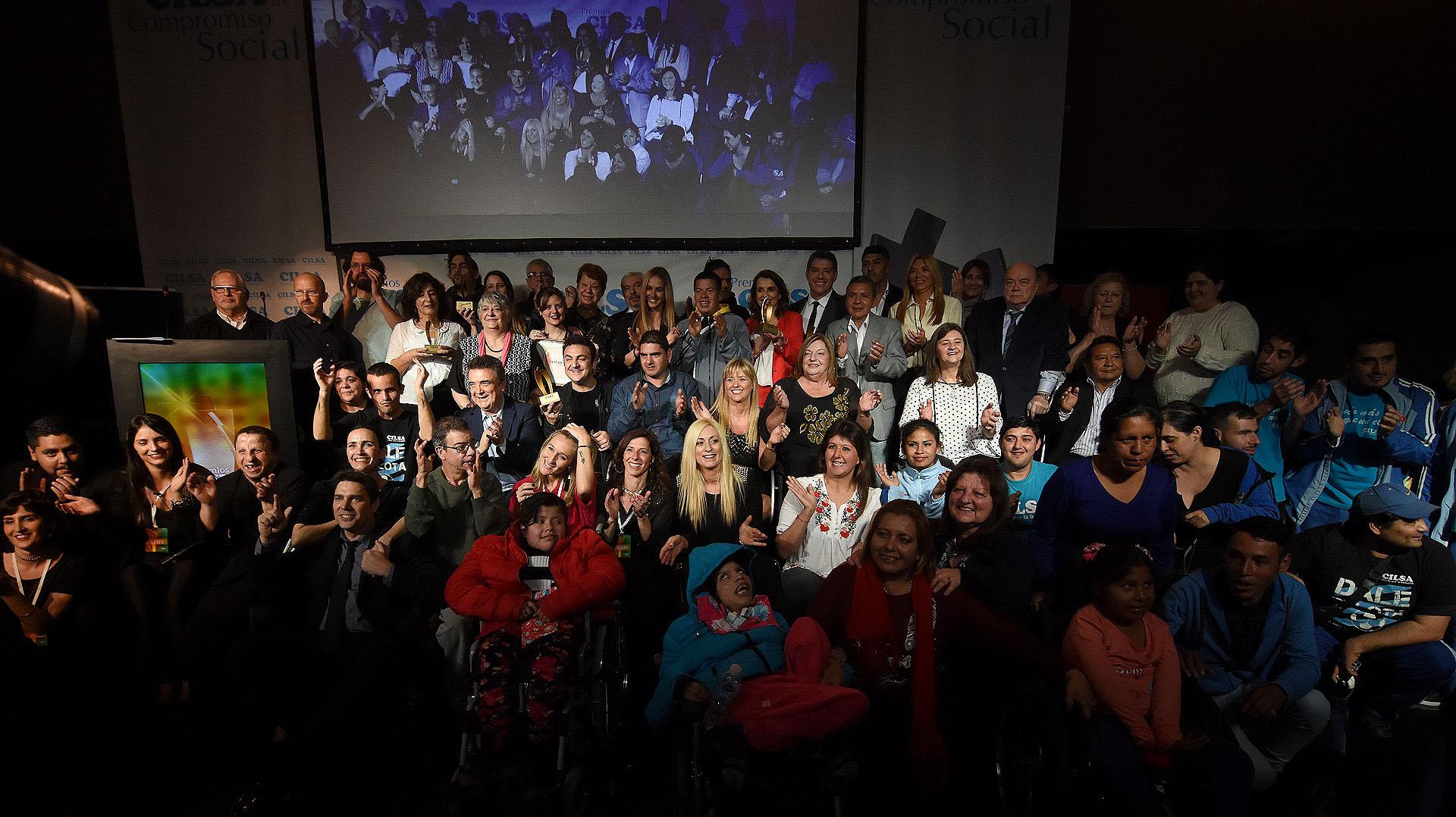 La foto final de la entrega de los premios CILSA al Compromiso Social 2018 /// Fotos: Nicolás Stulberg