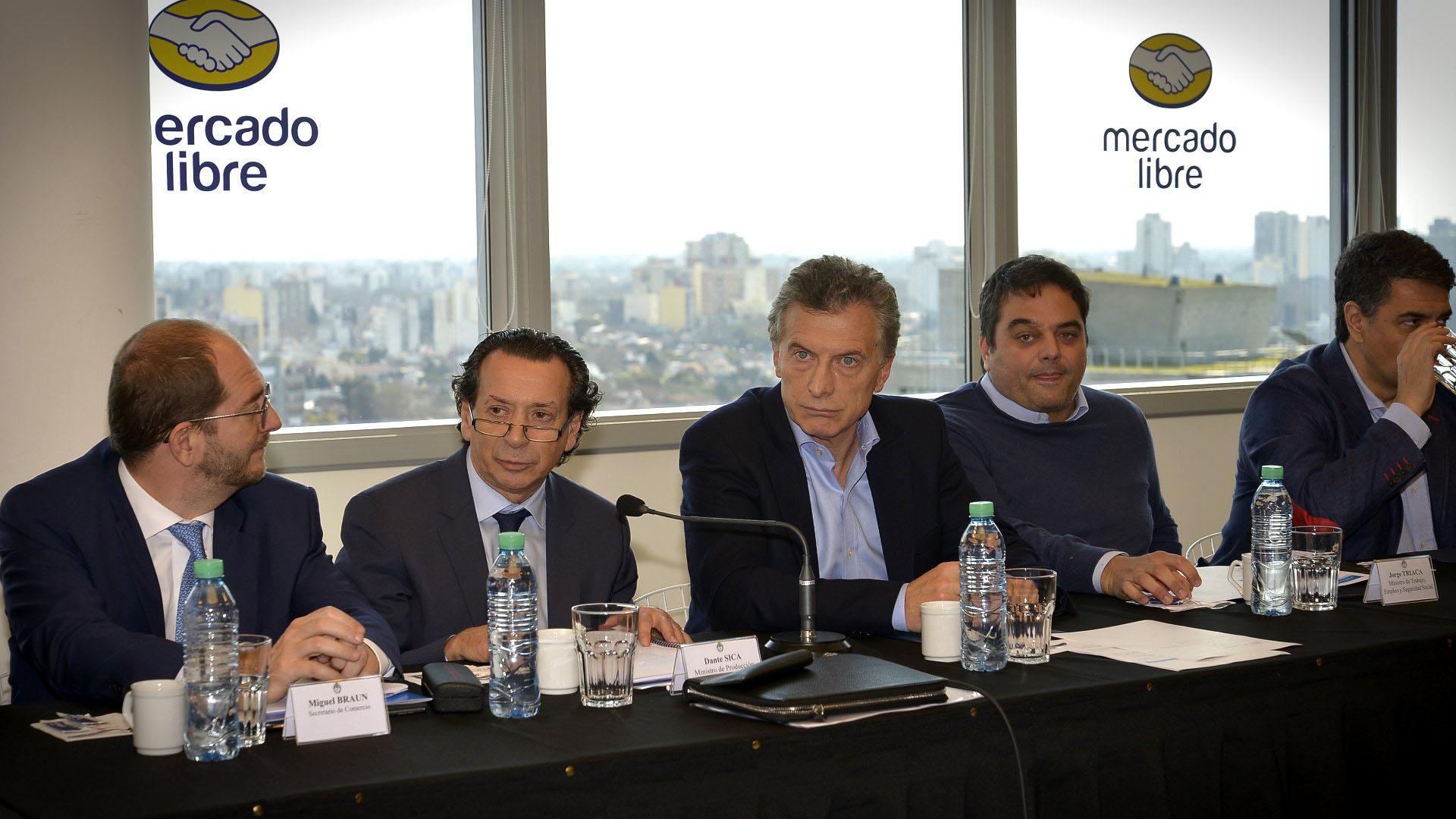 Macri estuvo en Mercado Libre con empresarios y funcionarios. (Gustavo Gavotti)
