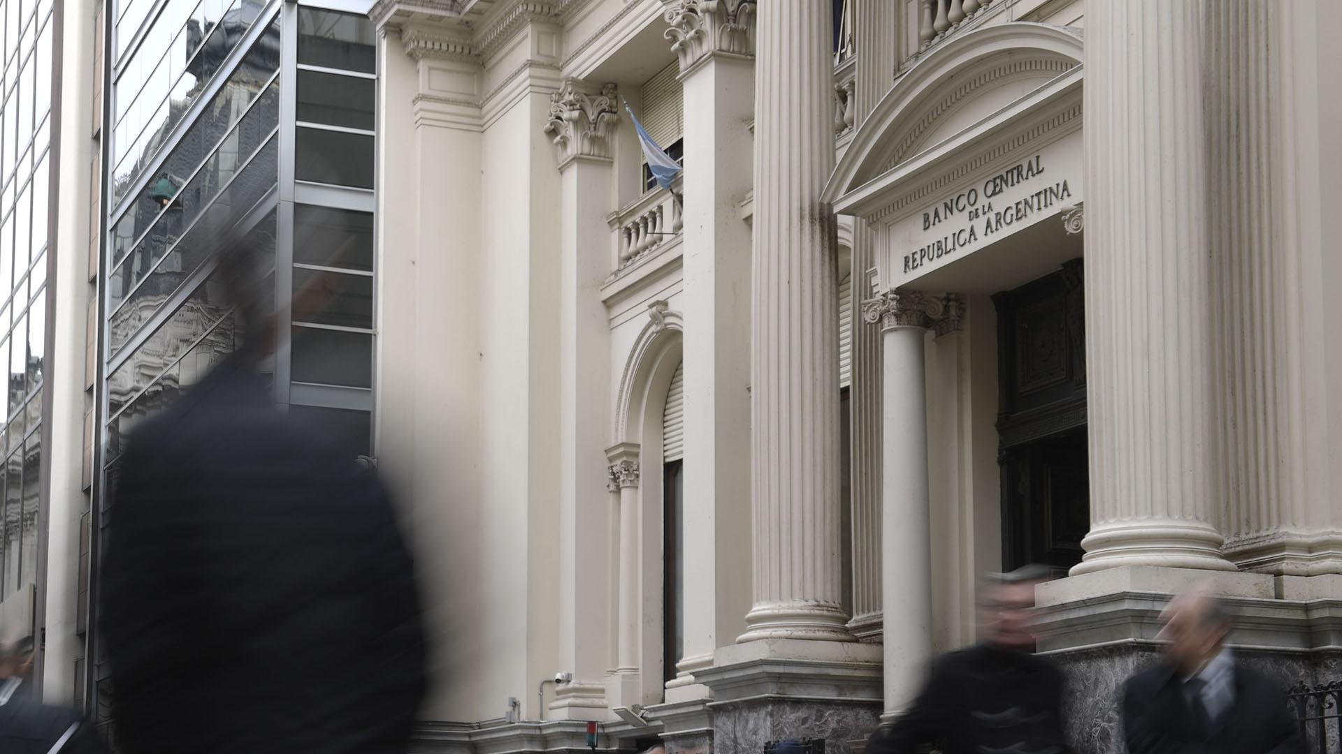 La baja de tasas será la prueba de fuego del nuevo sistema de bandas cambiarias (AFP)