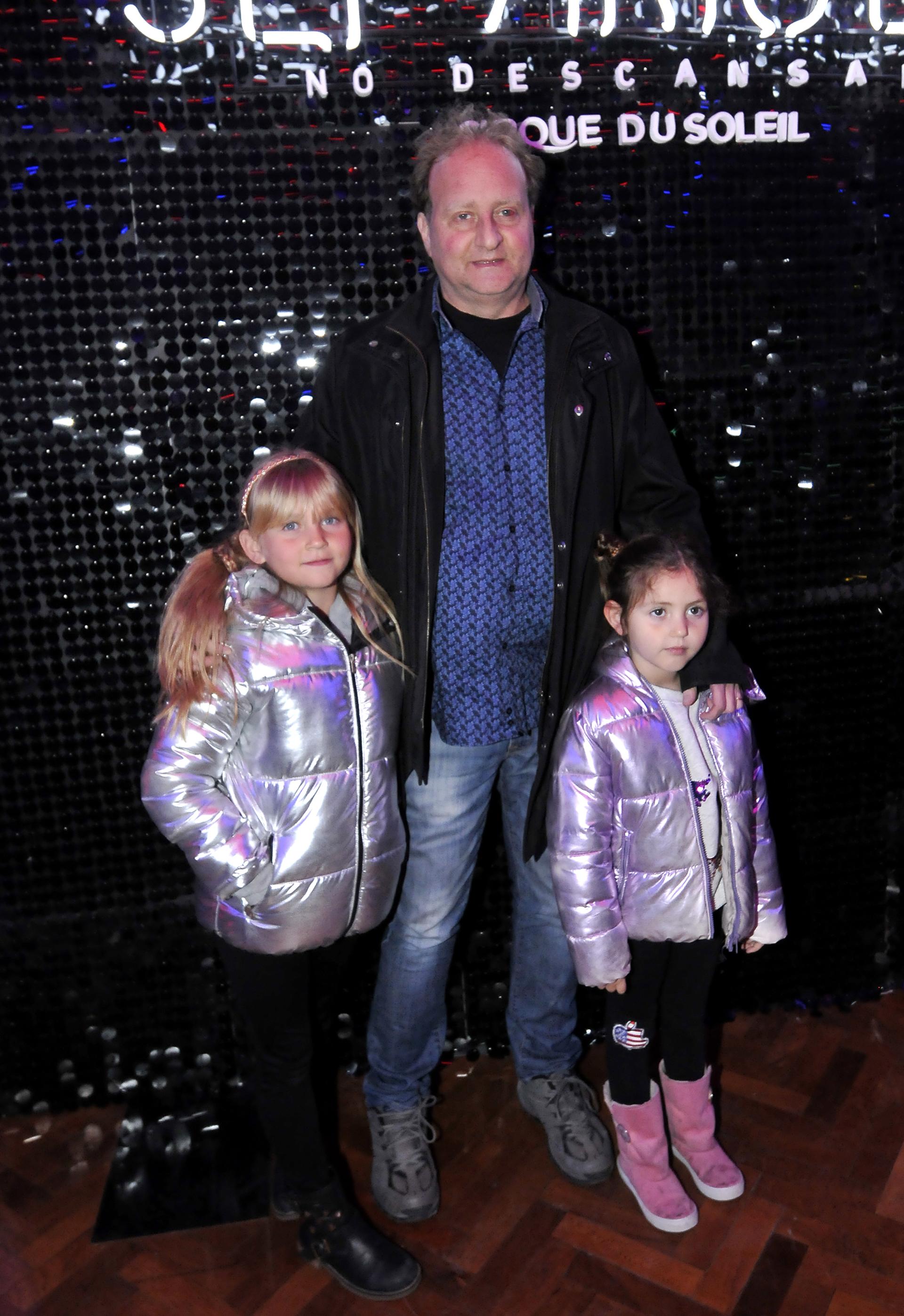 Sergio Gendler con dos de sus hijas