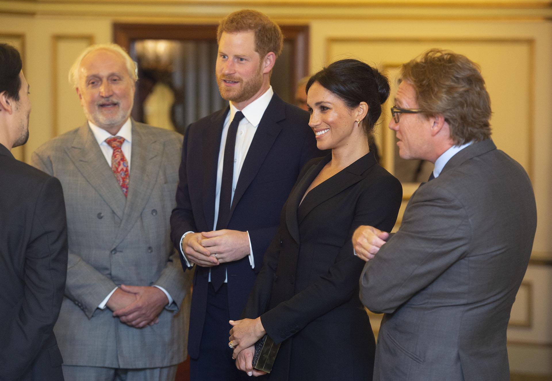 La pareja real conversa con el compositor y escritor estadounidense Lin-Manuel Miranda, quien asistió en compañía de otros invitados