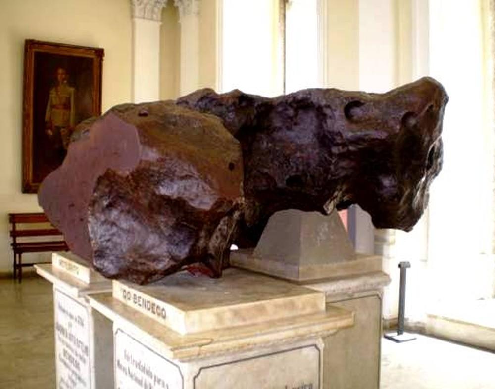 El Bendegó, el más famoso de los 62 meteoritos que guardaba el museo (Museo Nacional de Río de Janeiro)