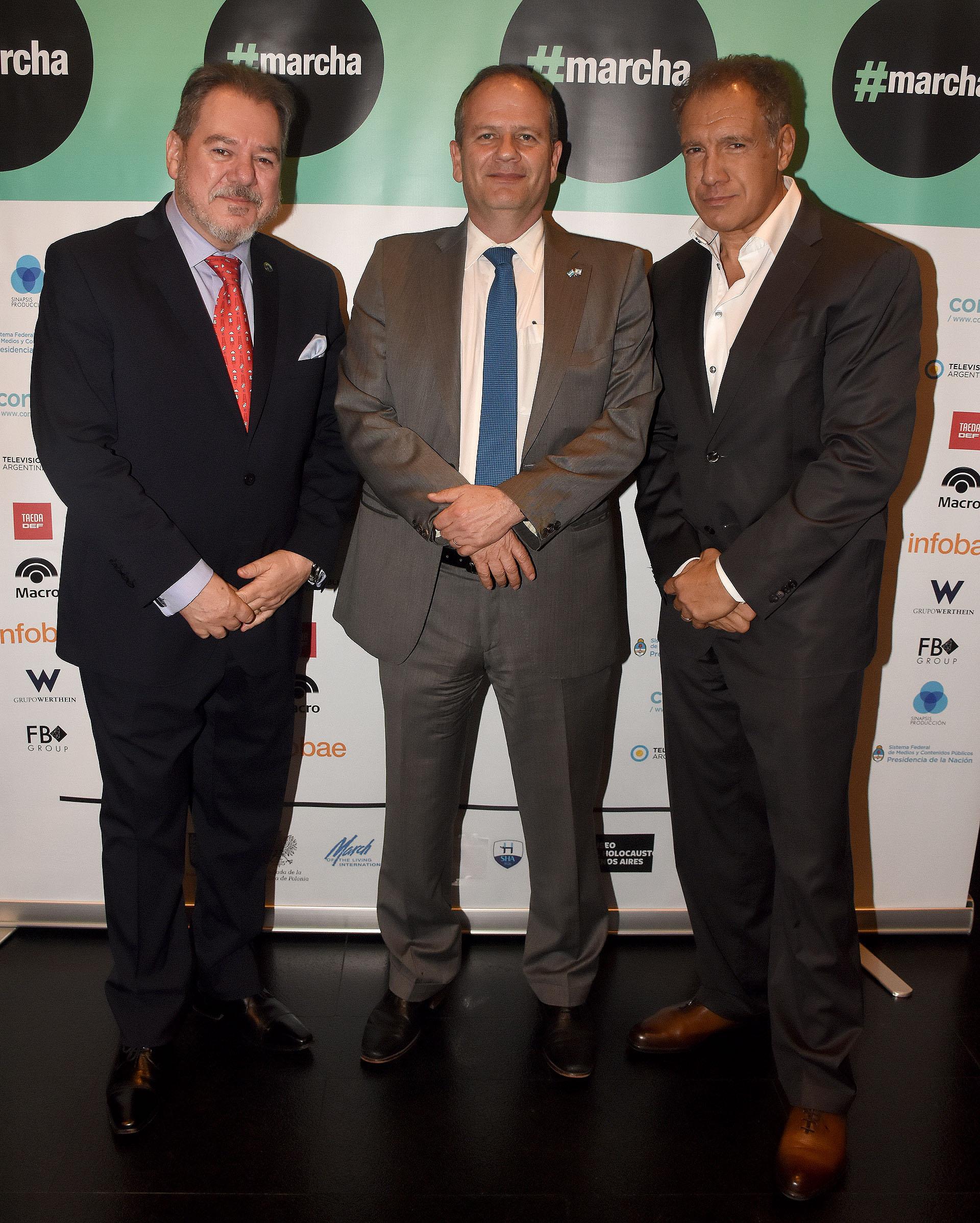 El empresario Mario Montoto; el embajador de Israel en la Argentina, Ilan Sztulman, y el fundador de Infobae, Daniel Hadad