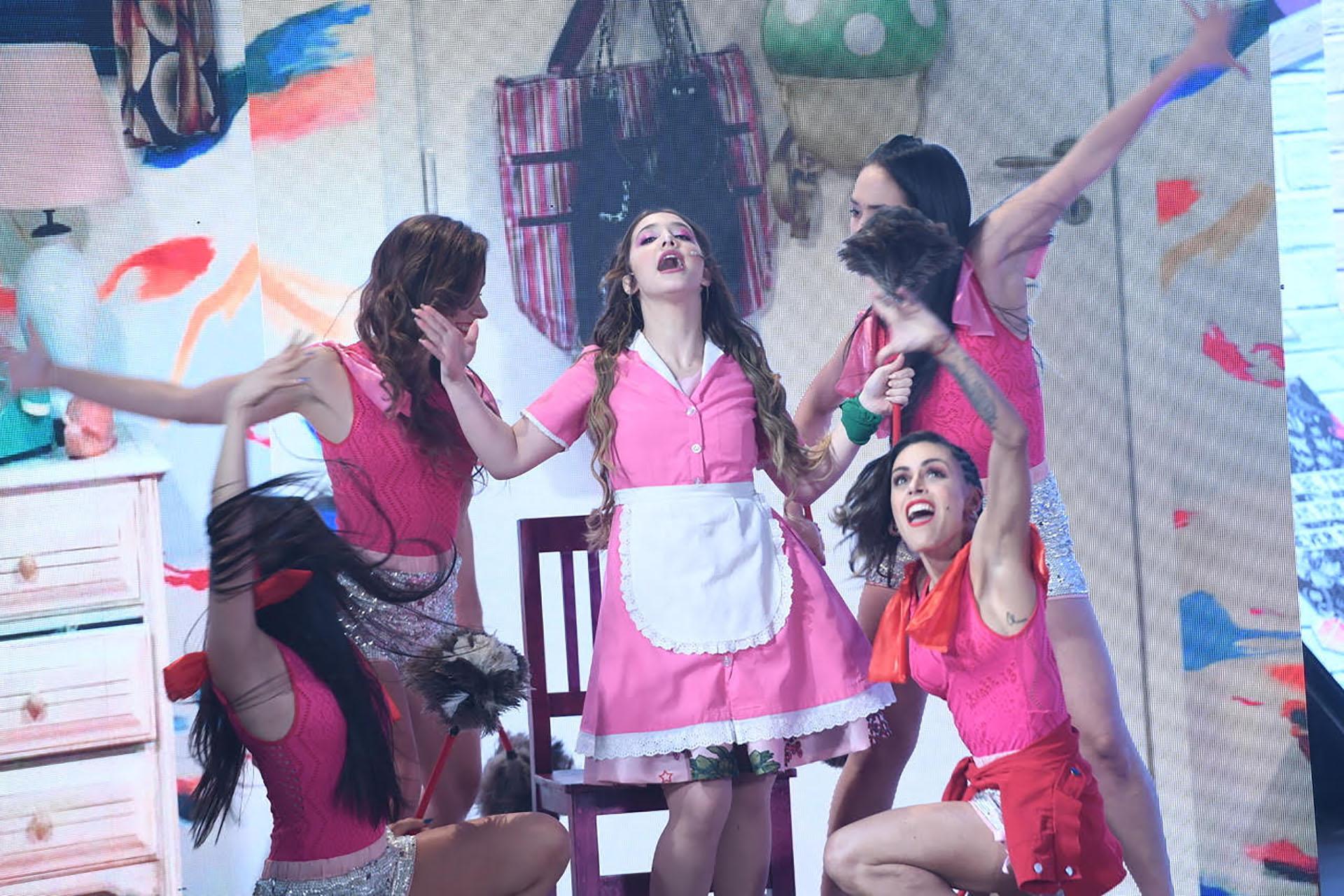 """Ángela Torres también cantó y bailó en la apertura de """"ShowMatch"""""""