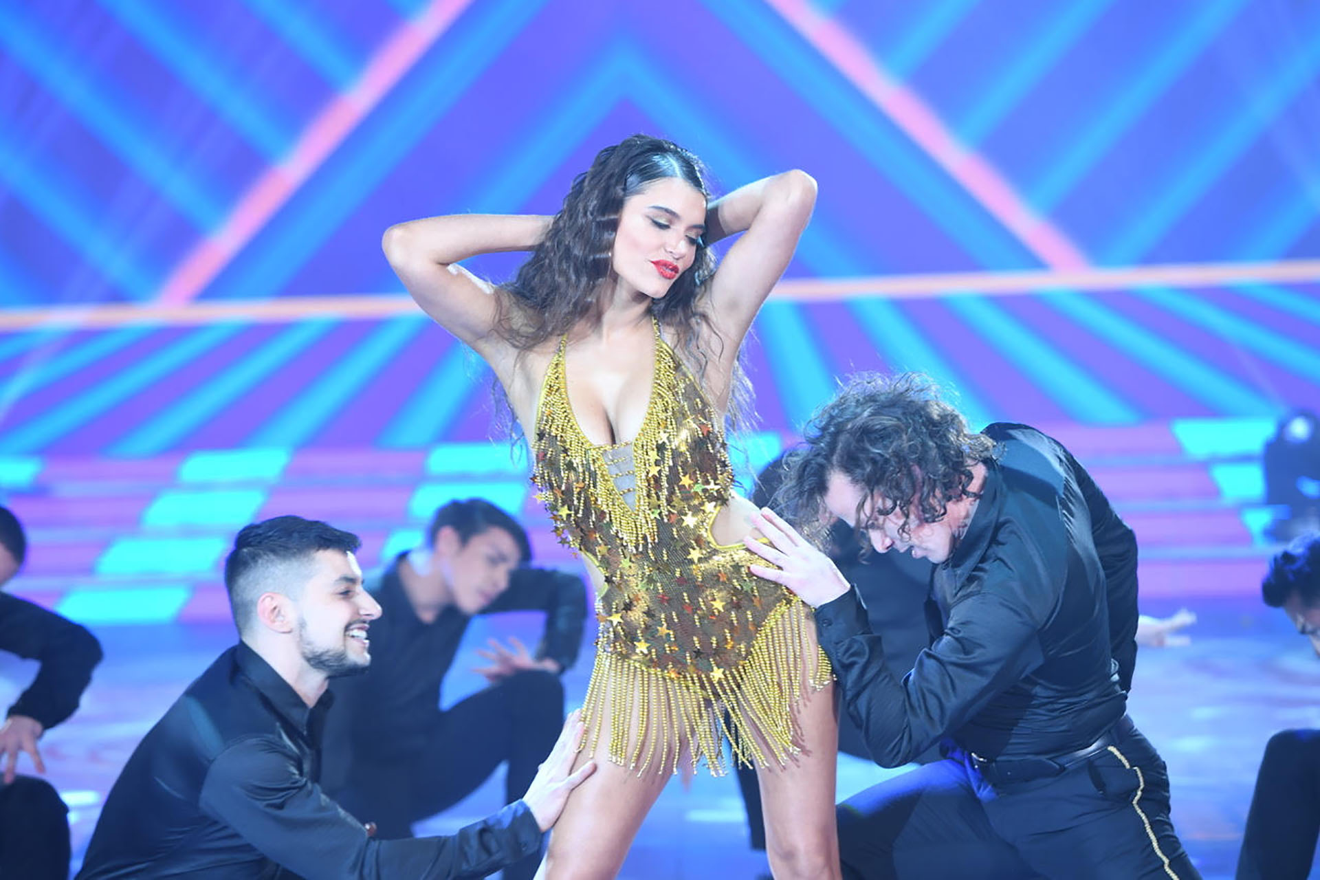 "Eva de Dominici bailó en la apertura de ""ShowMatch"""