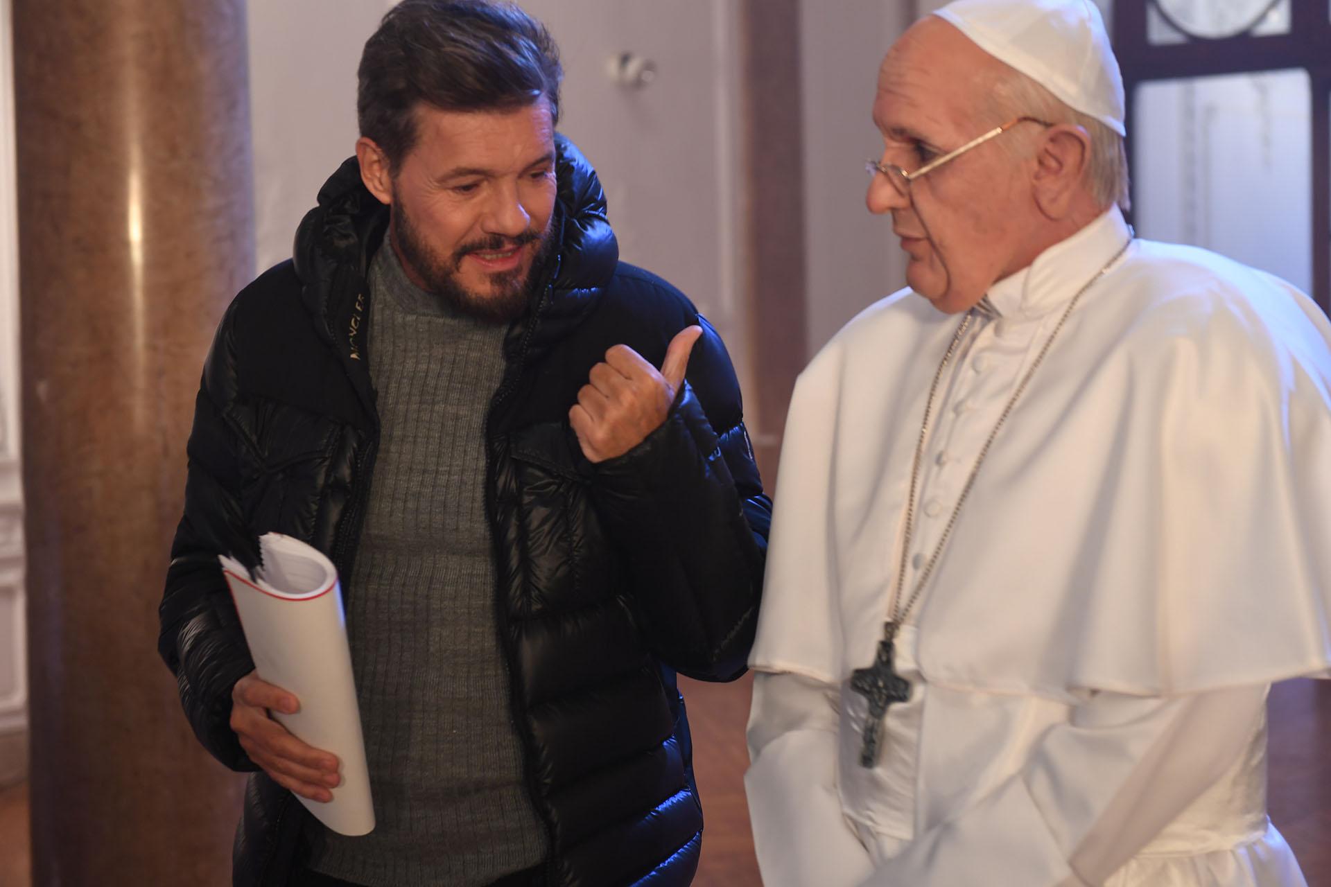 Marcelo Tinelli con el Papa Francisco, imitado por Martín Bossi