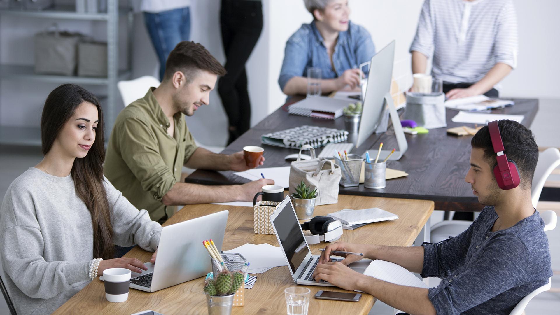 Las empresas tradicionalmente tuvieron oficinas propias, contratadas a largo plazo, y de las cuales debían ocuparse