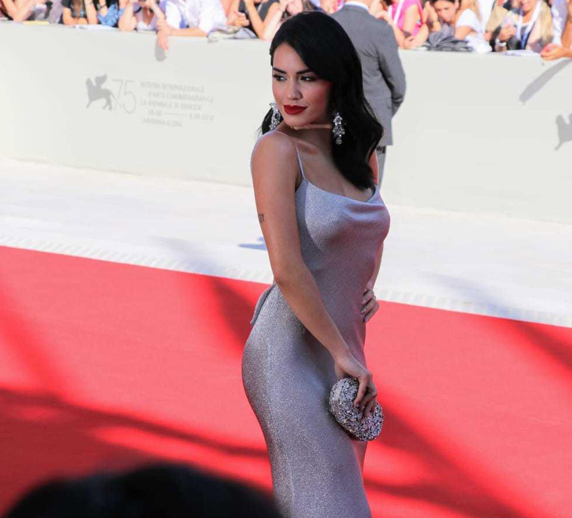 """Lalil Espósito desplegó toda su sensualidad en el Festival de Venecia, donde presentó """"Acusada"""", la única película argentina elegida para competir por el León de Oro"""