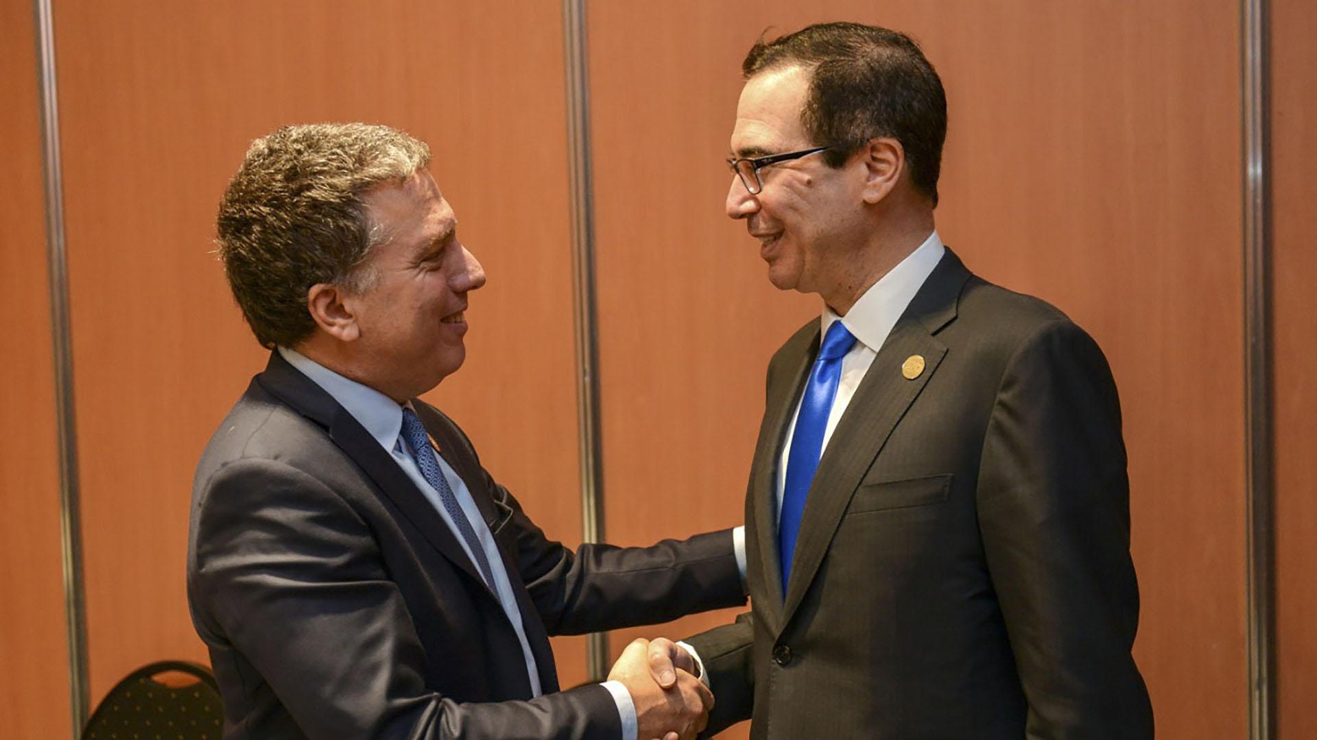 El ministro argentino Nicolas Dujovne y el norteamericano Steven Mnuchin, en Buenos Aires, en la primera reunión de Finanzas del G20 (NA)