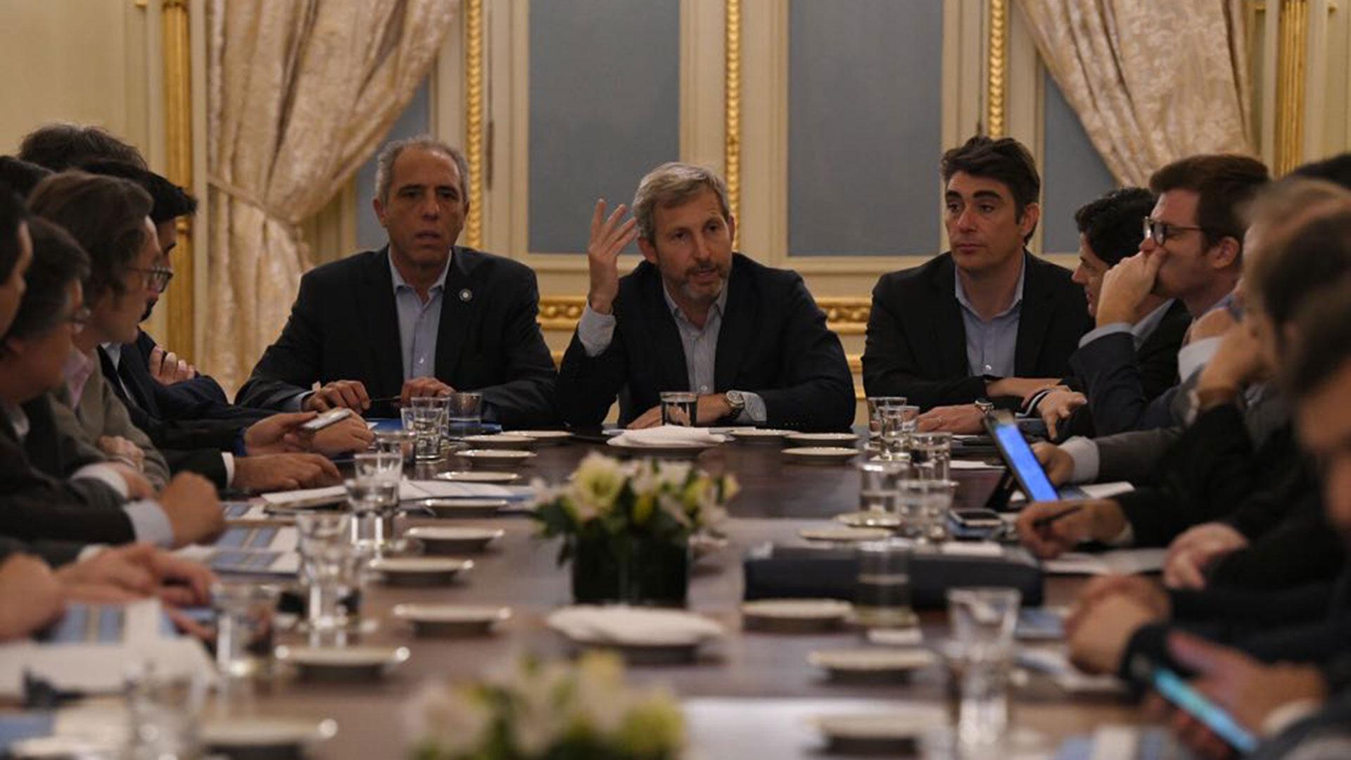 Frigerio y ministros provinciales, en la reunión del jueves (Fotografía Ministerio del Interior, Obras Públicas y Vivienda)