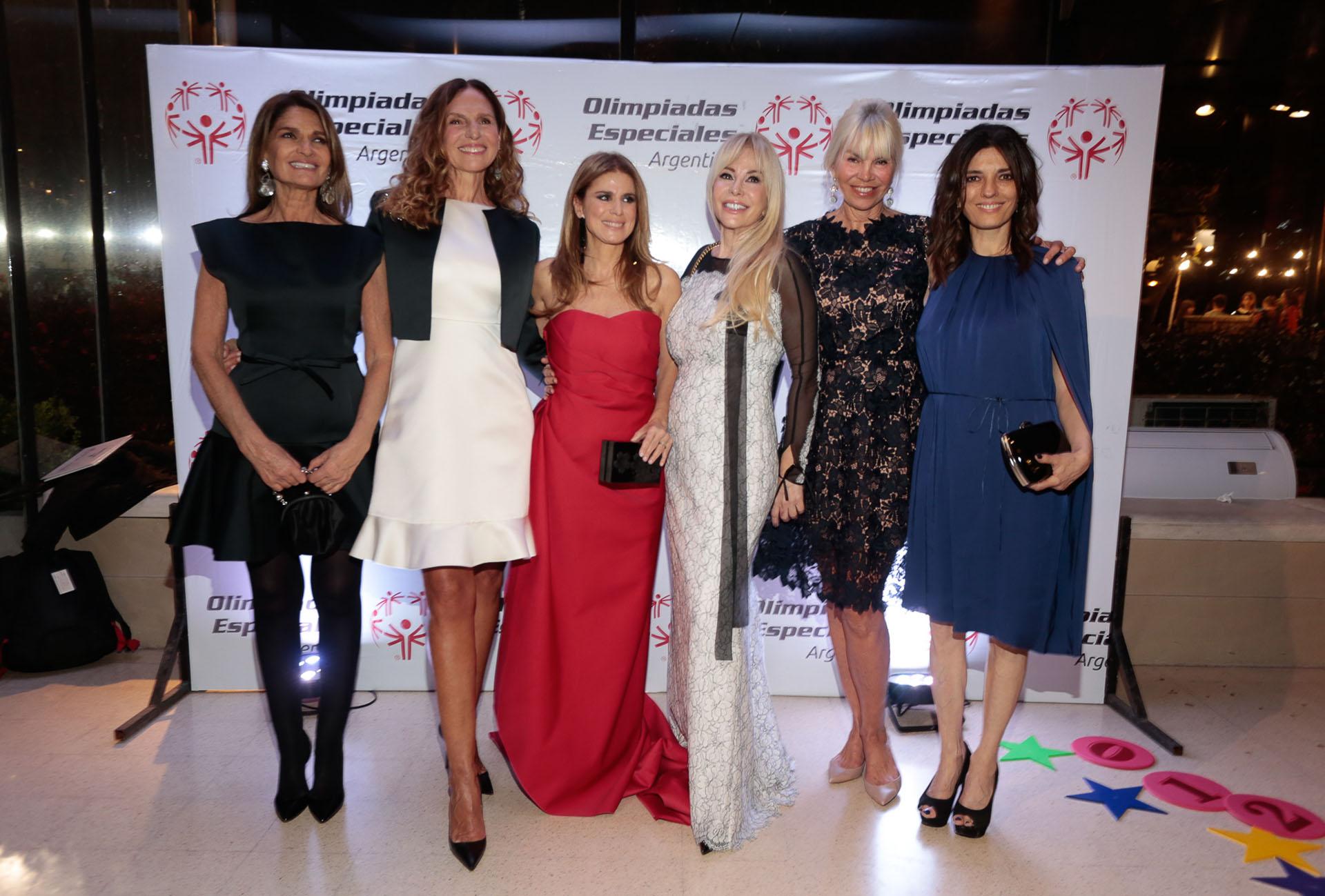 Teresa Calandra, Ginette Reynal, Flavia Palmiero, Graciela Alfano, Delfina Frers y María Socas
