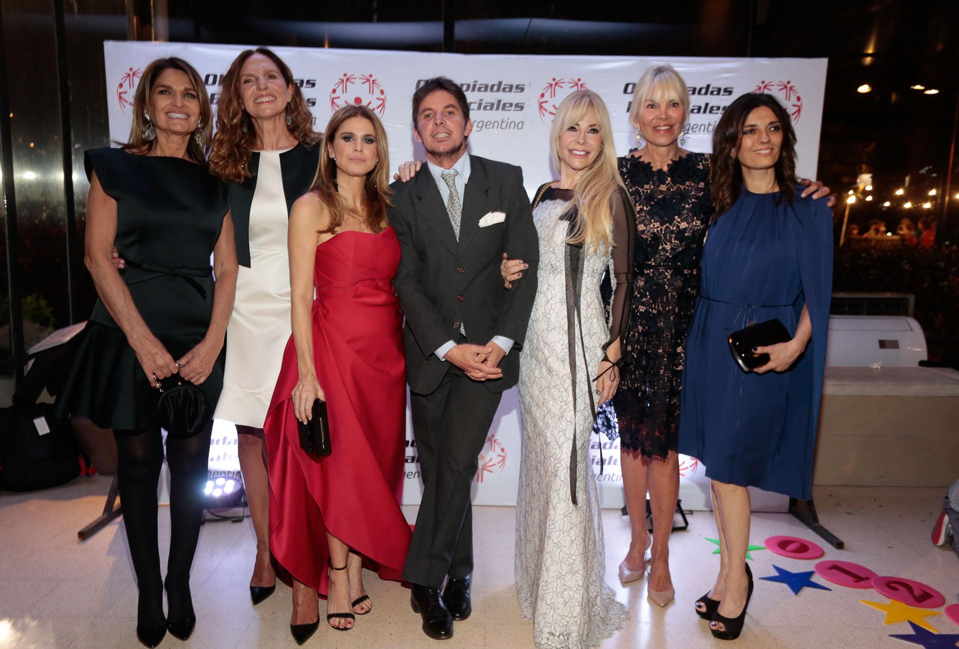 Teresa Calandra, Ginette Reynal, Flavia Palmiero, Gerard Confalonieri, Graciela Alfano, Delfina Frers y María Socas