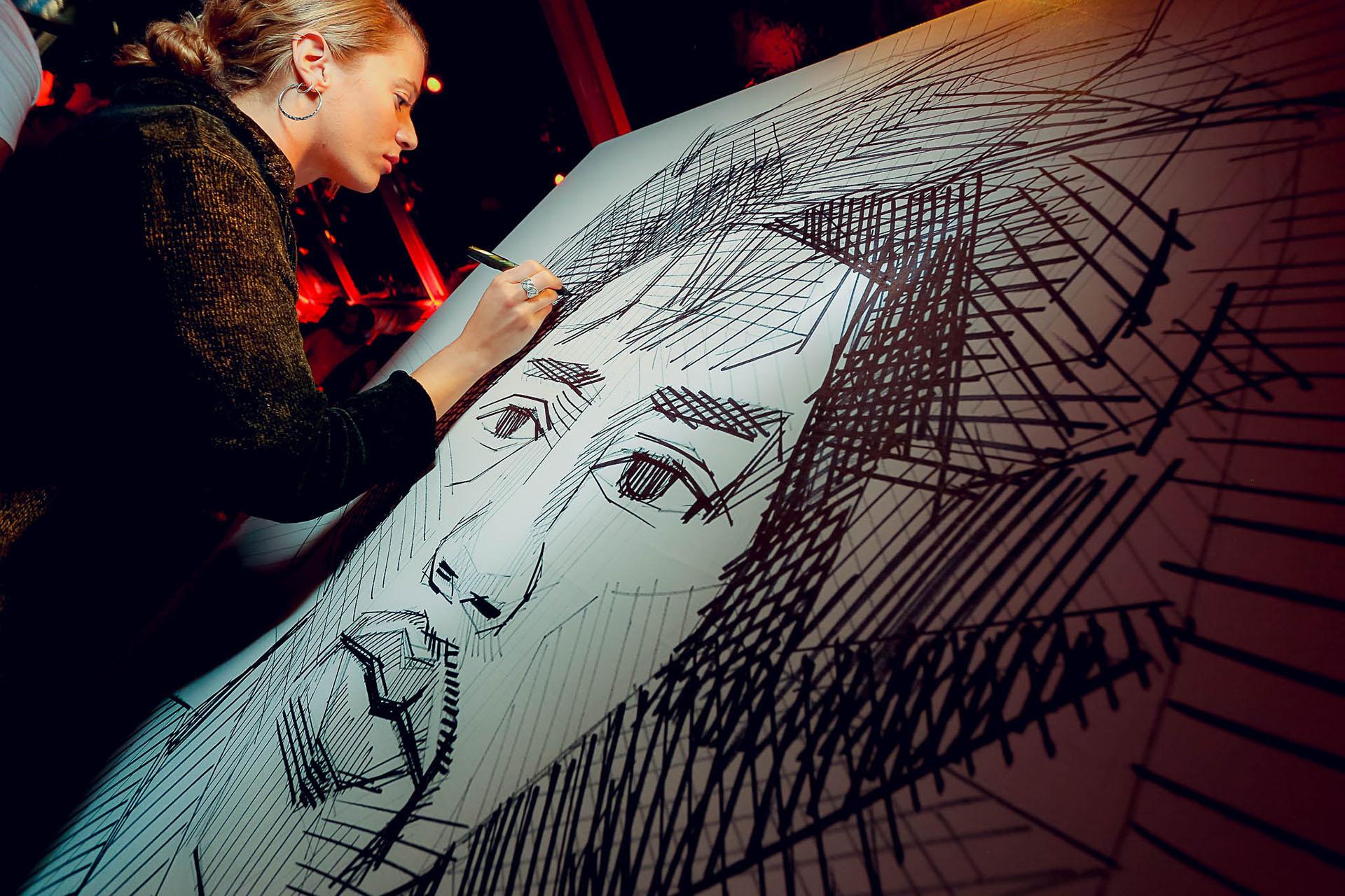 Arte en vivo durante la fiesta de la mano de Inés Terradas