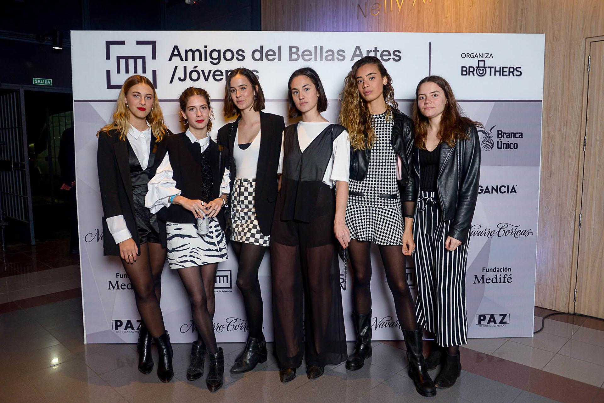 Clara Brave, Sofía Speroni, Juana González Lobo, Serena de Elía, Giorgia Alliatta y Calu Perret