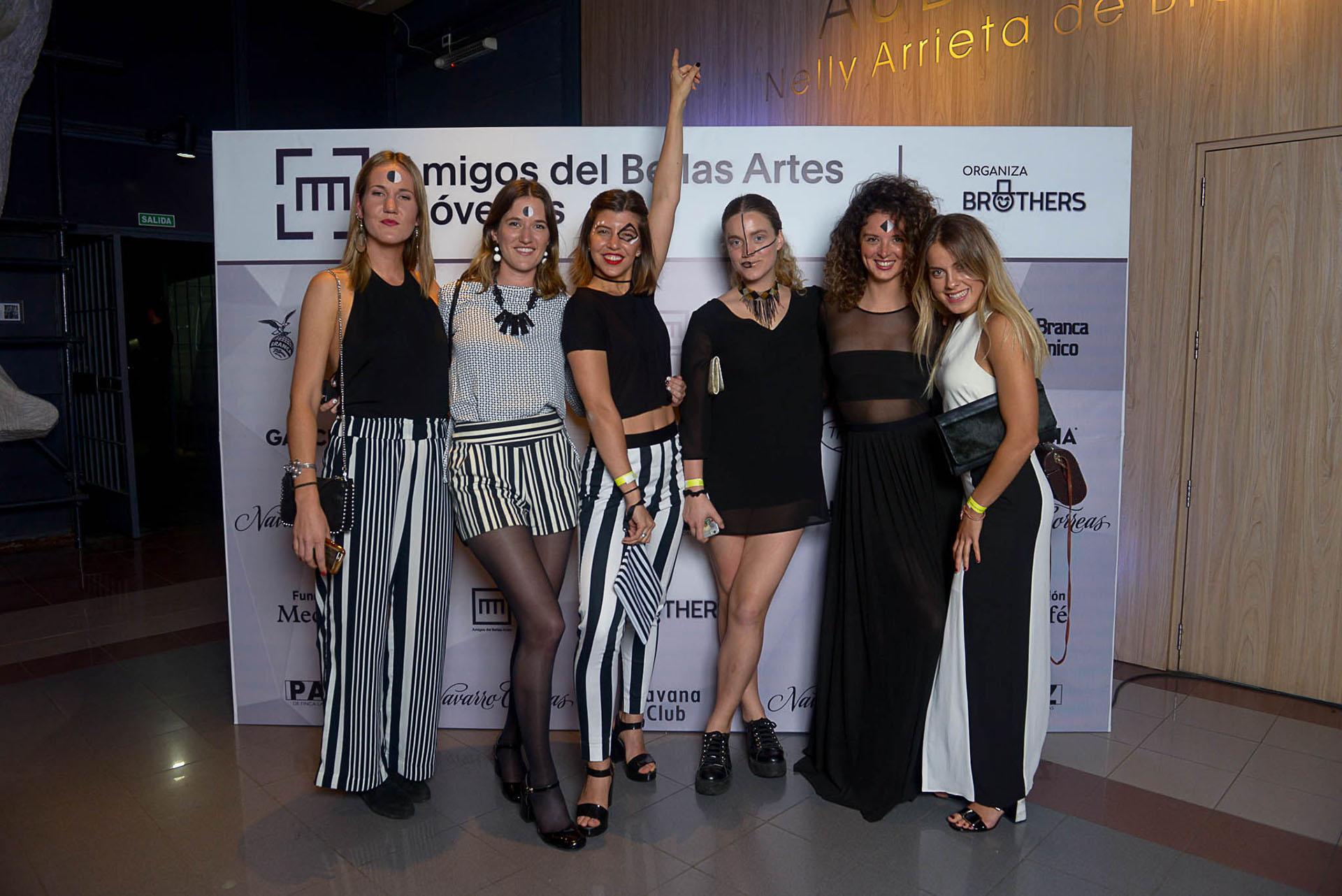 Agustina Gurmendi, Camila Gurmendi, Rosario Neuss, Stephanie Cameron, Milagros Avellaneda y Camila Duhau