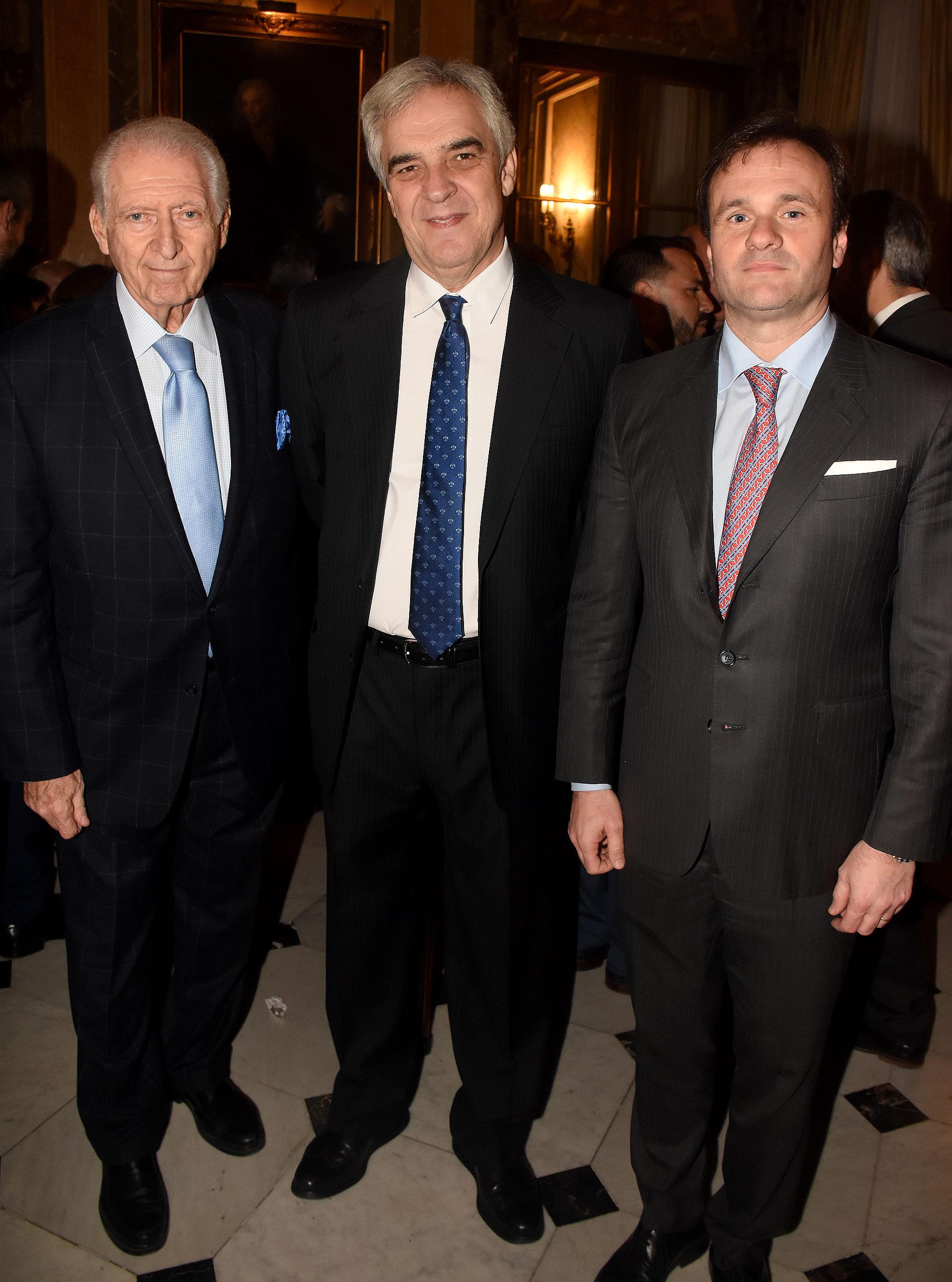 Saúl Rotsztain junto al embajador de España en la Argentina, Javier Sandomingo, y el director de Relaciones Institucionales de La Rural, Juan Pablo Maglier