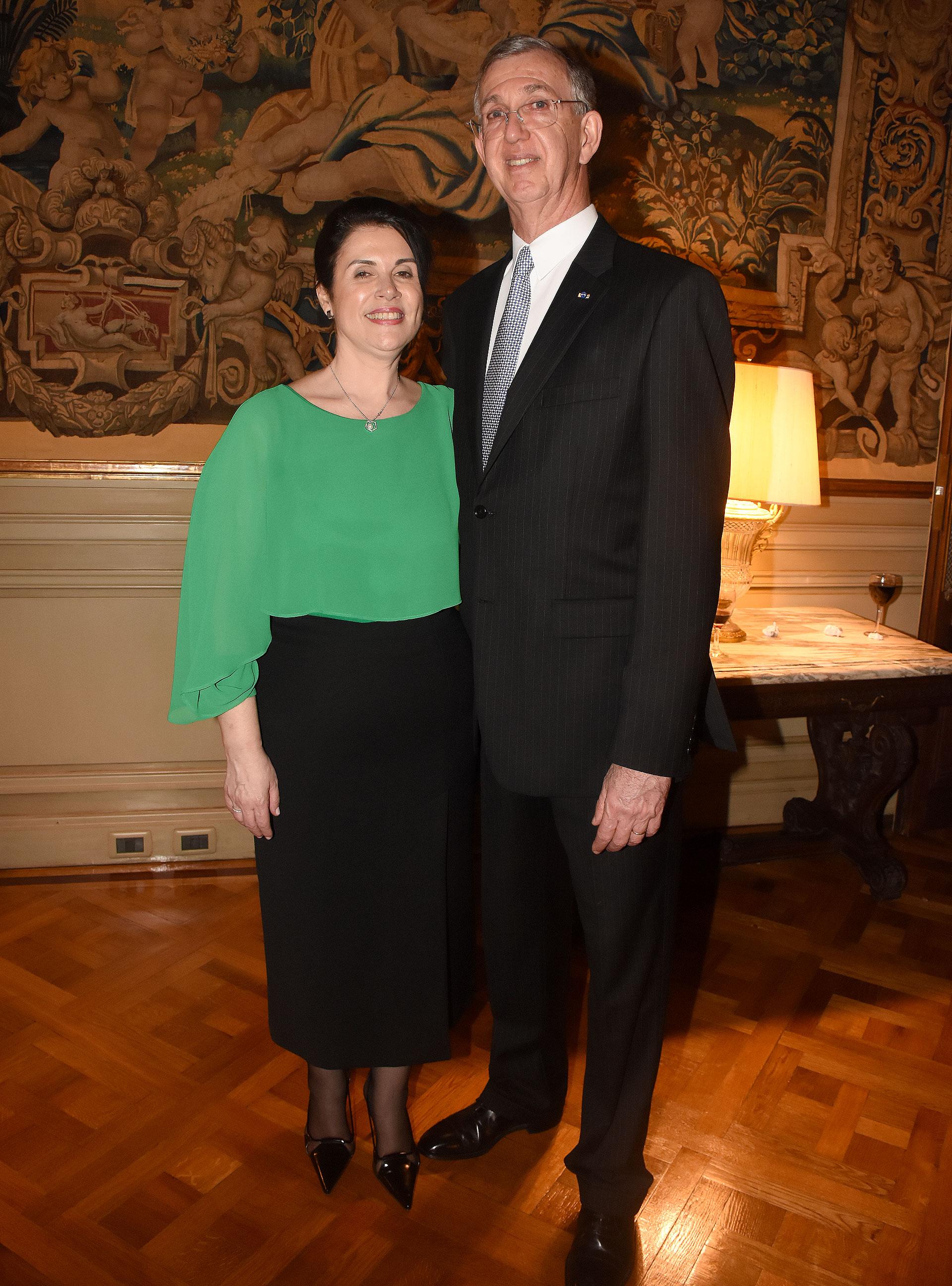 El embajador Sérgio Danese y su mujer Ángela ofrecieron un cóctel, en conmemoración del 196º aniversario de la Independencia de Brasil