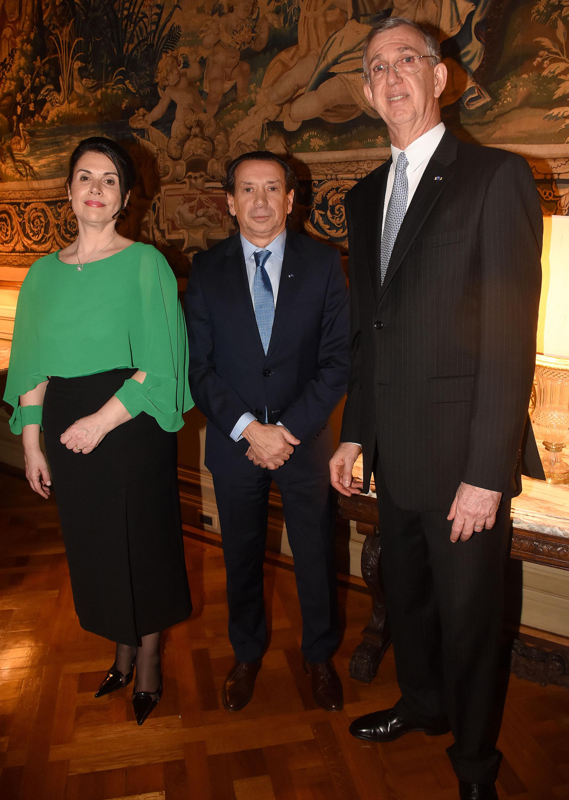 El embajador Danese y su mujer reciben a Dante Sica, ministro de Producción y Trabajo