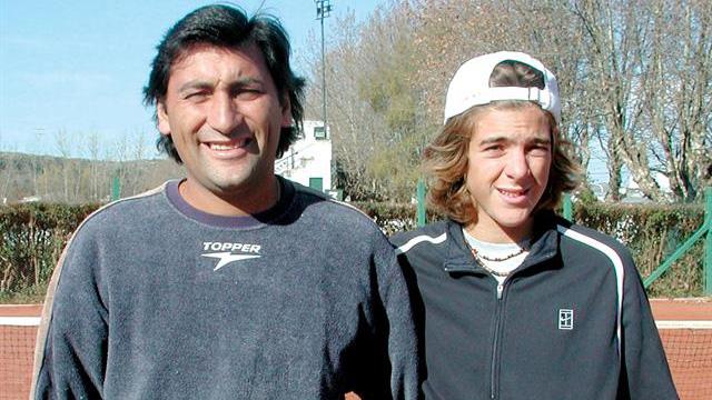 Delo junto a Marcelo Gómez