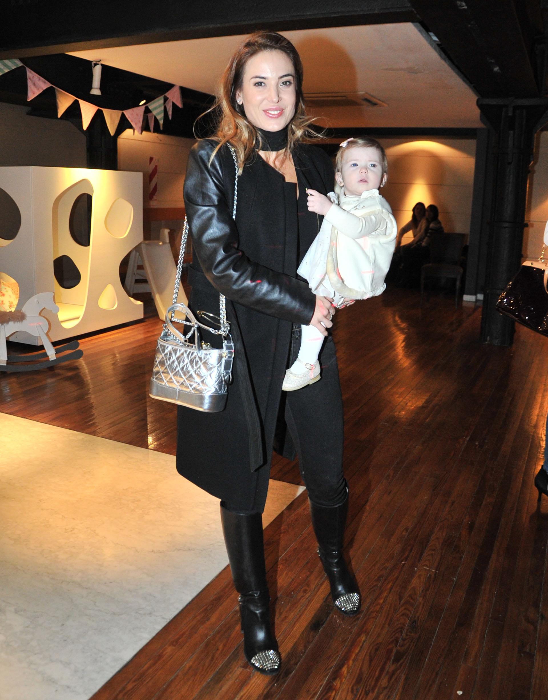 Jesica Cirio fue al cumpleaños de Moorea con su hija Chloé