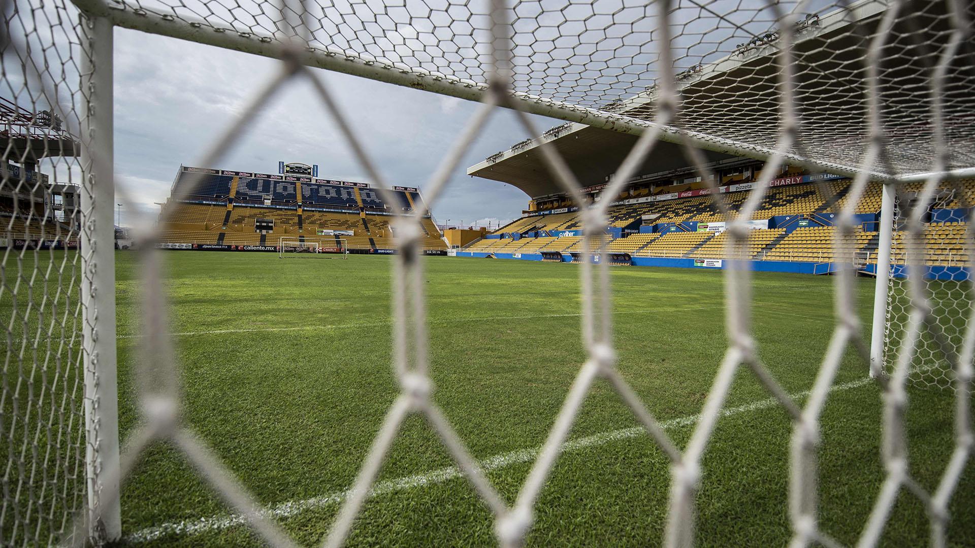 El estadio Banorte fue inaugurado el 9 de agosto del 2003 en un partido disputado entre los Dorados de Sinaloa y las Cobras de Ciudad Juárez. Tiene capacidad para 23 mil aficionados y se anunció que abrirá sus puertas al público en el primer entrenamiento con Diego Armando Maradona como DT (AFP)
