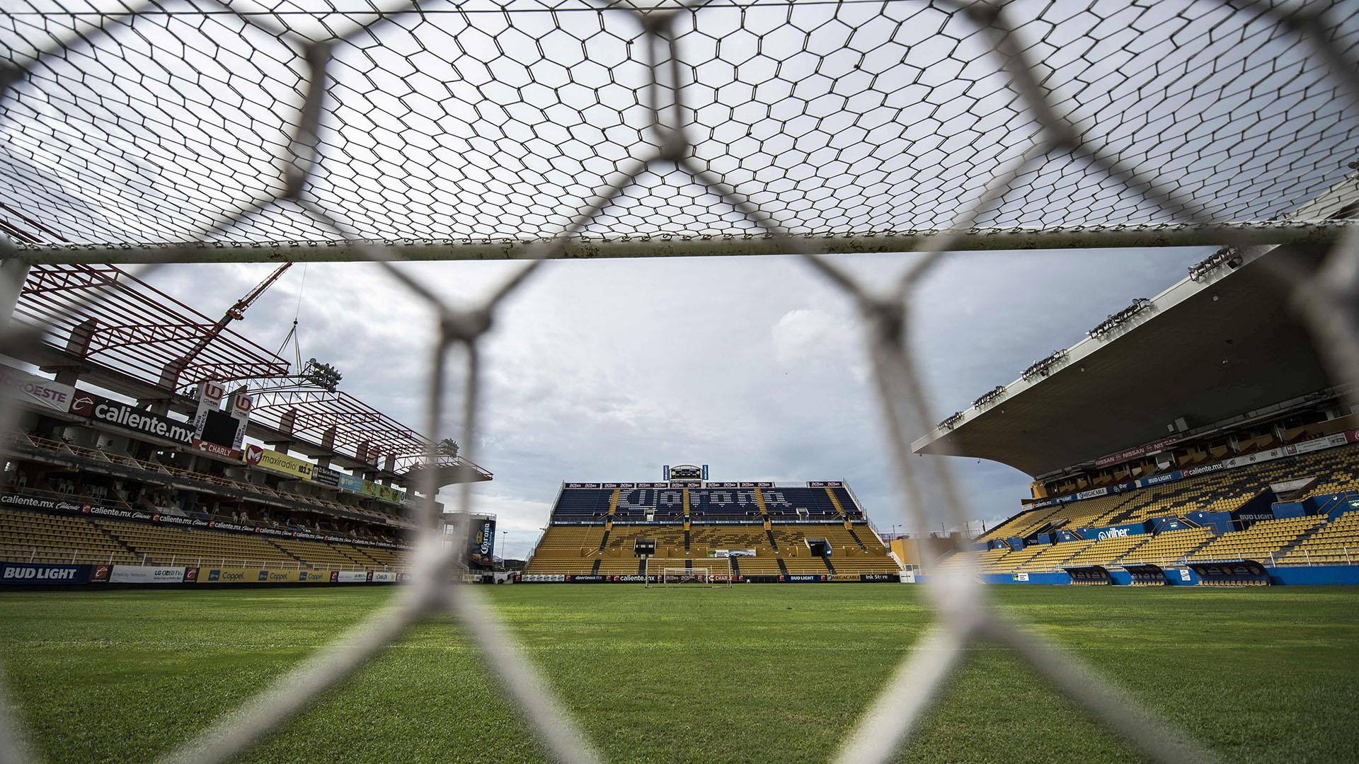 Dorados de Sinaloa nació en Culiacán en agosto del 2003 cuando el equipo hizo su aparición en territorio sinaloense para jugar en la Primera División de México cuando Eustaquio de Nicolás y Valente Aguirre anunciaron la creación de los Dorados (AFP)