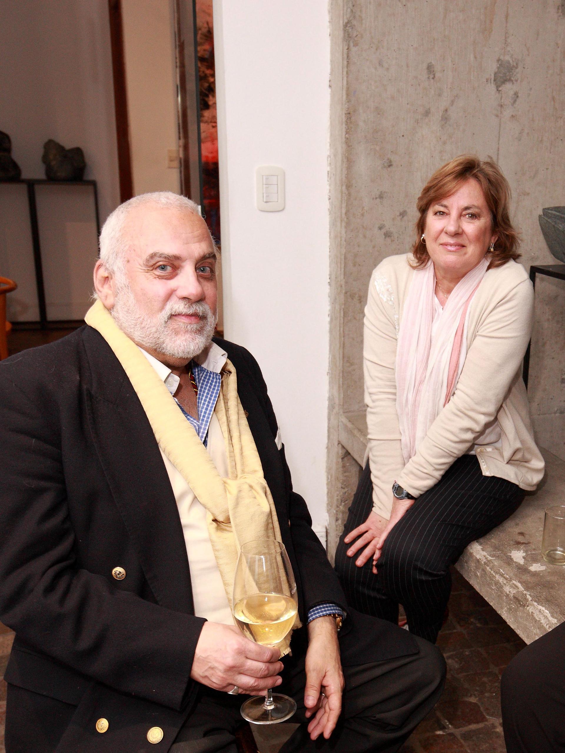 Fernando Sanchez Fuentes y Diana García Calvo, directora de Mundo Nuevo Gallery Art