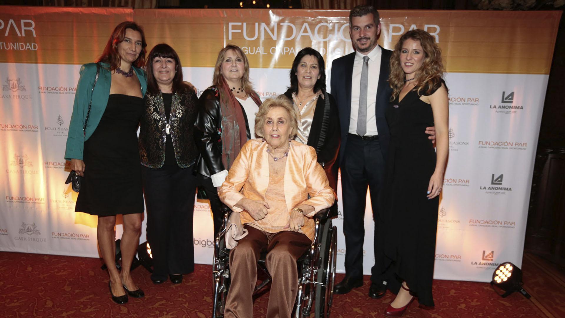 Hoy surgen nuevos desafíos, tanto en torno al fortalecimiento de las personas con discapacidad, como al trabajo junto a la sociedad para seguir construyendo puentes