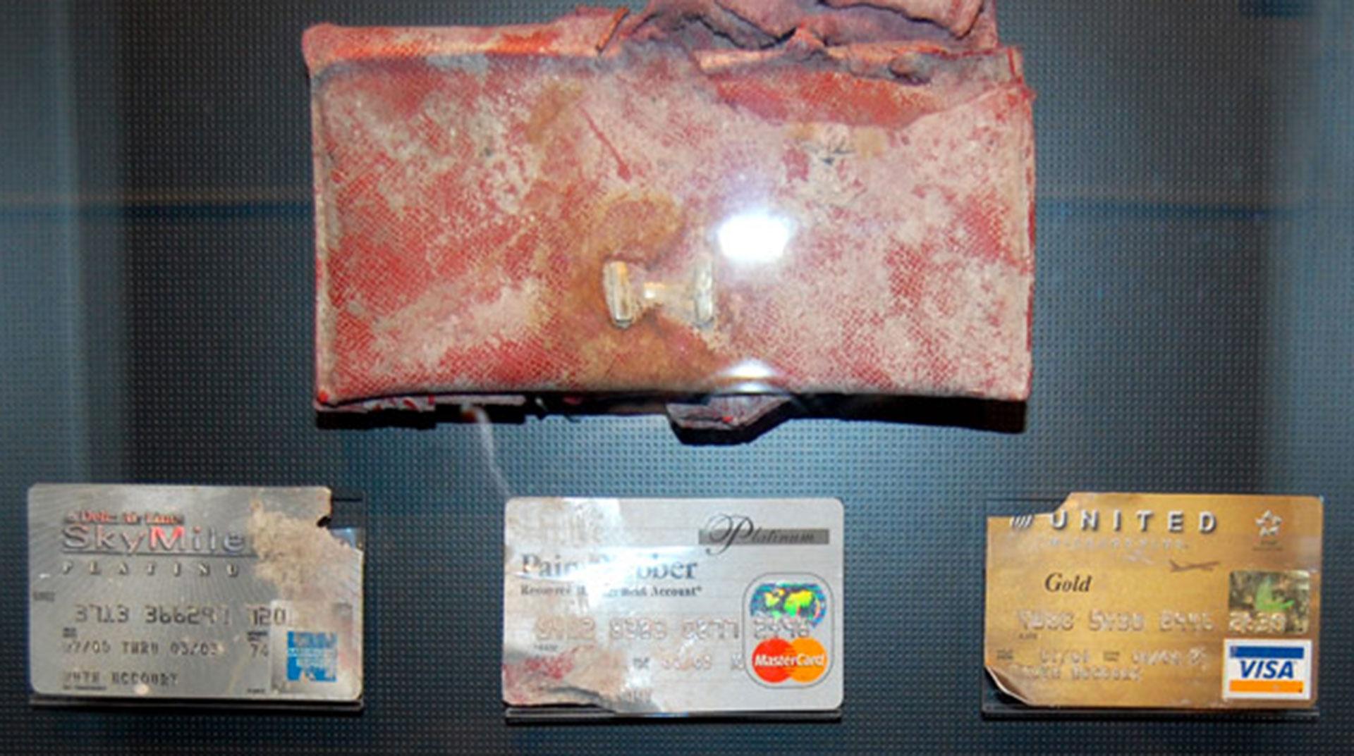 Tarjetas de crédito y una billetera
