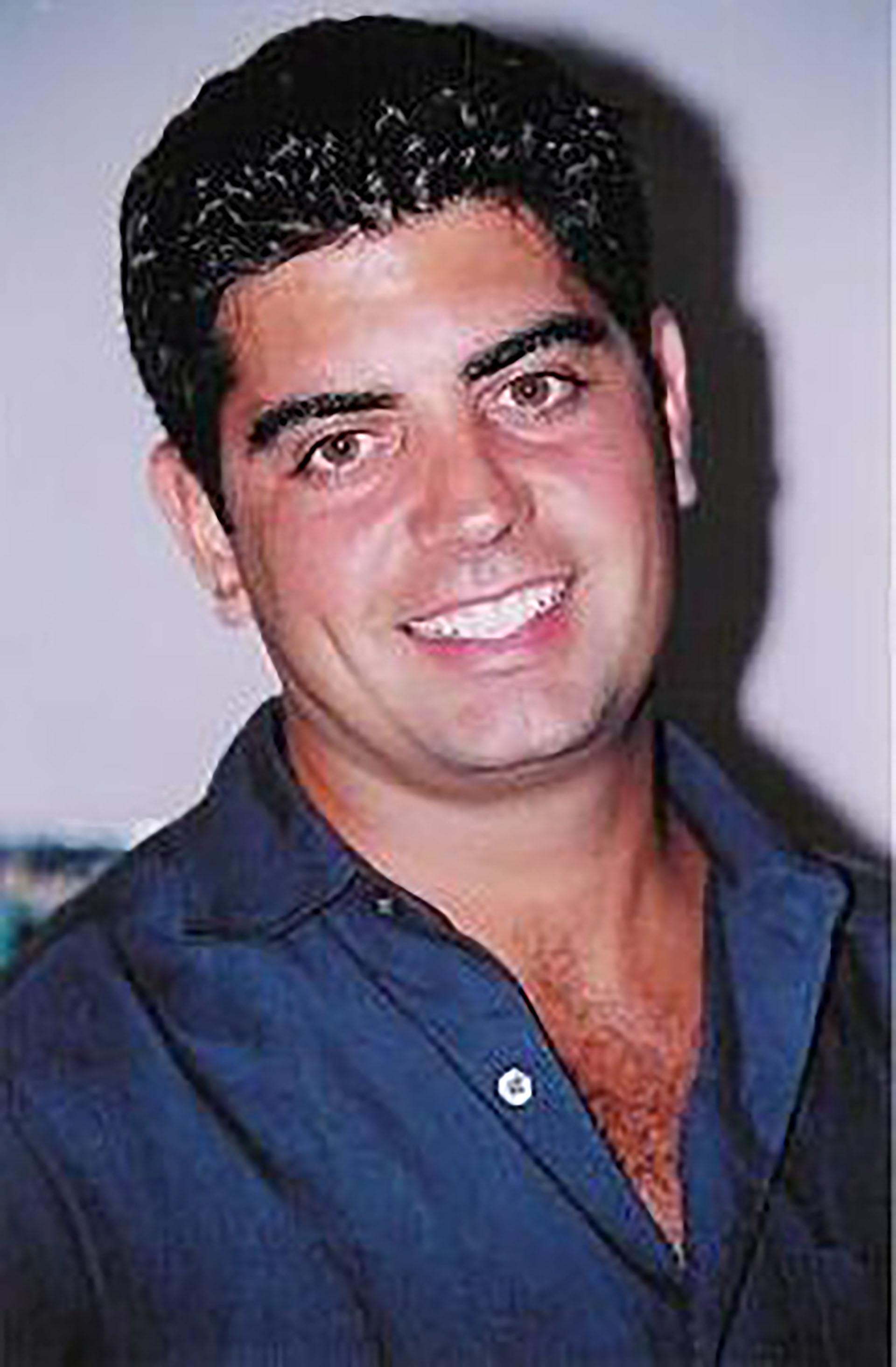 Sergio Villanueva se desarrolló en Nueva York como policía y bombero
