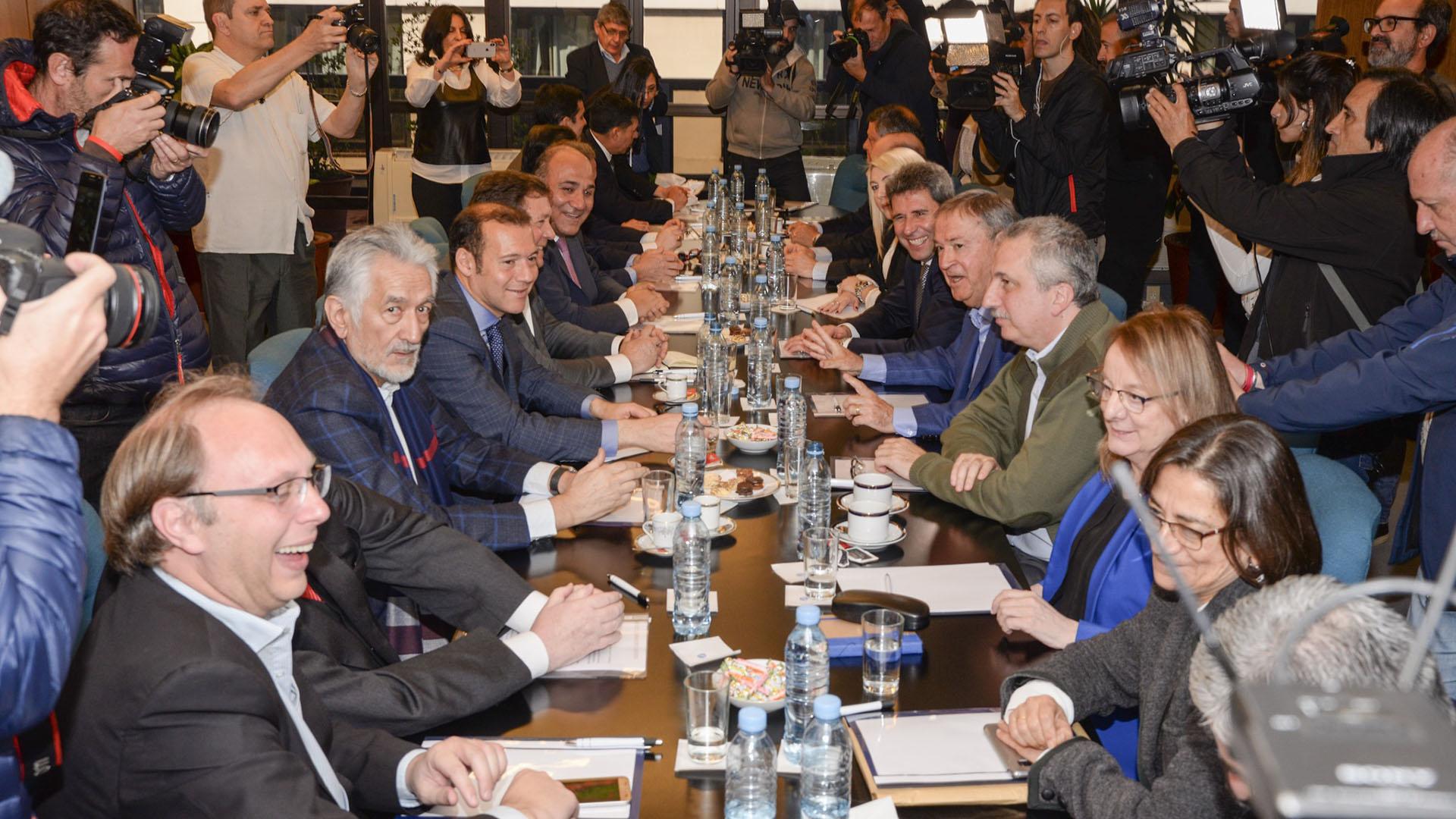 Loa gobernadores estuvieron reunidos en el CFI