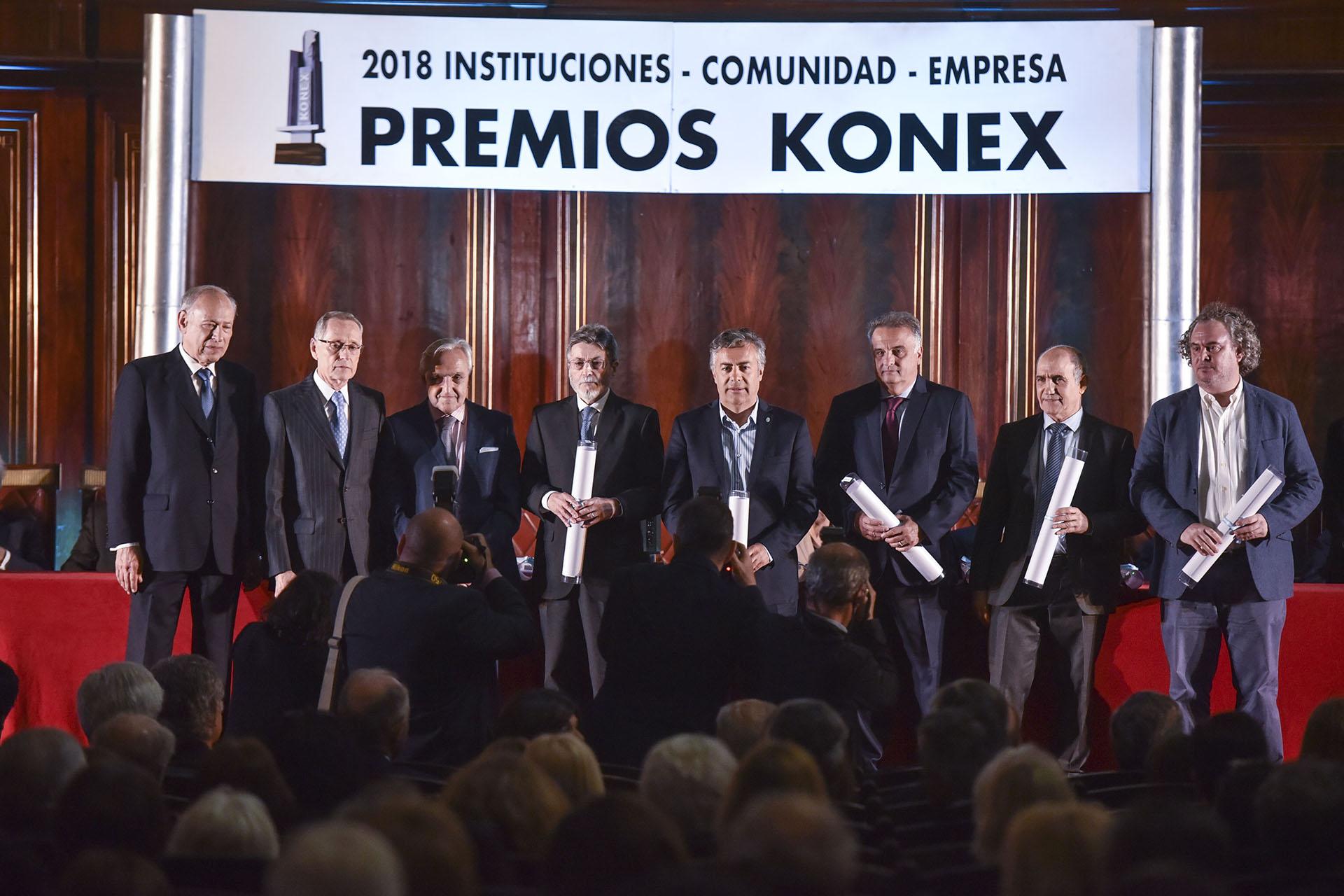 Administradores Públicos: Alberto Abad, Alfredo Cornejo, Alberto Crescenti, Horacio Rodríguez Larreta, María Eugenia Vidal y Alicia Oliveira (Post Mortem)