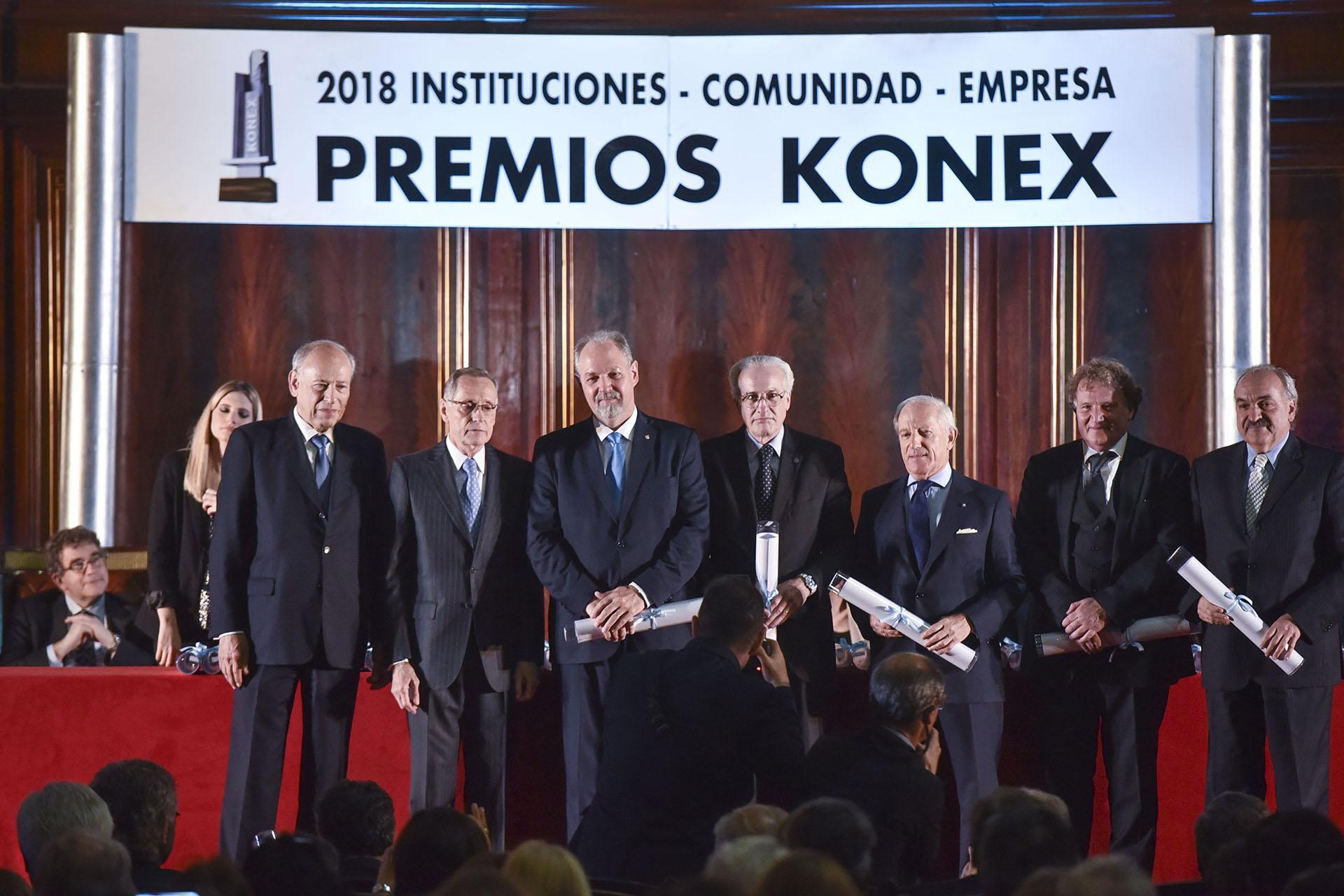 Diplomáticos: Ricardo Ernesto Lagorio, Eduardo Mallea, Rogelio Pfirter, Renato Carlos Sersale di Cerisano y Pedro Villagra Delgado