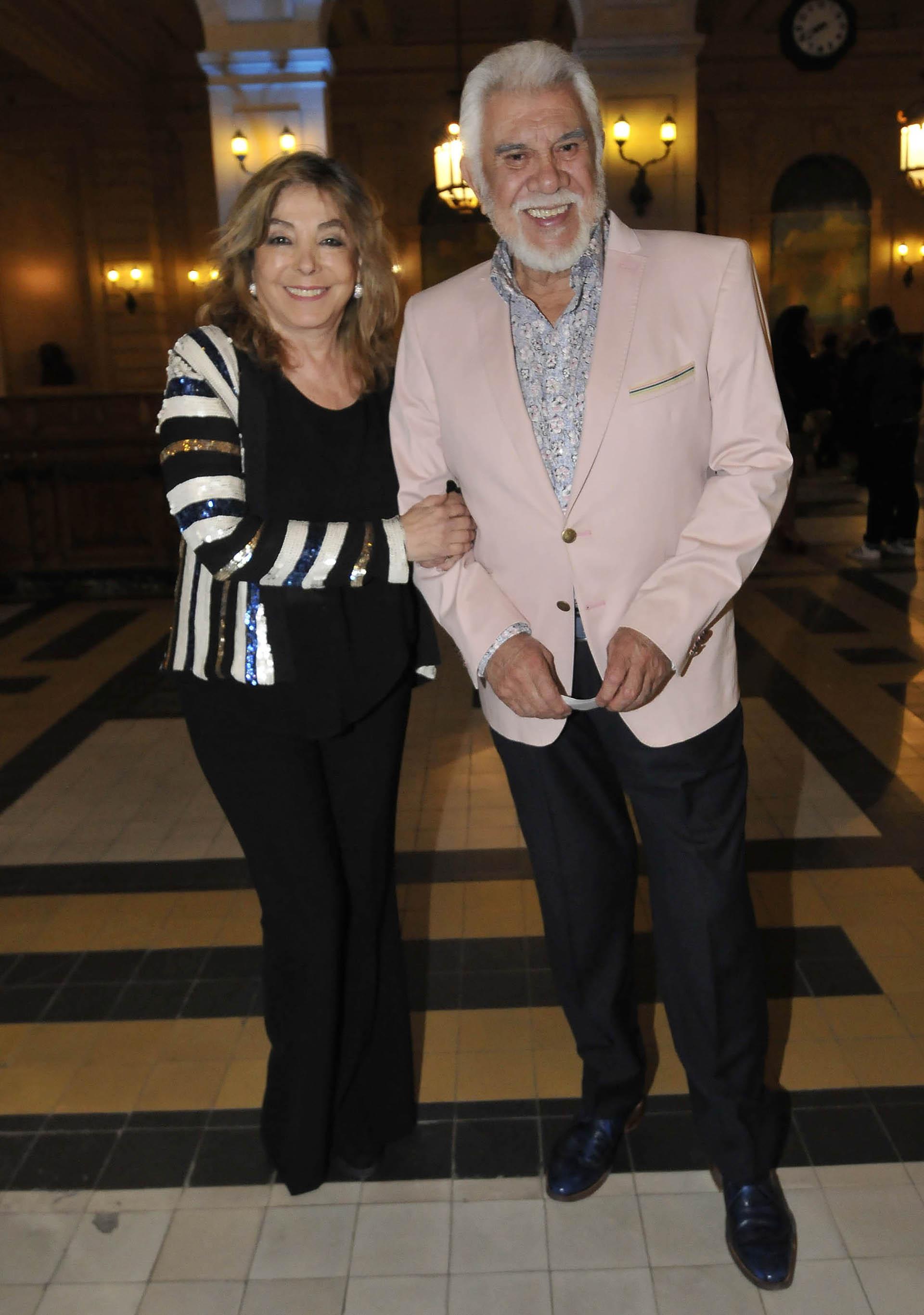 Raúl Lavié y su esposa, Laura Basualdo