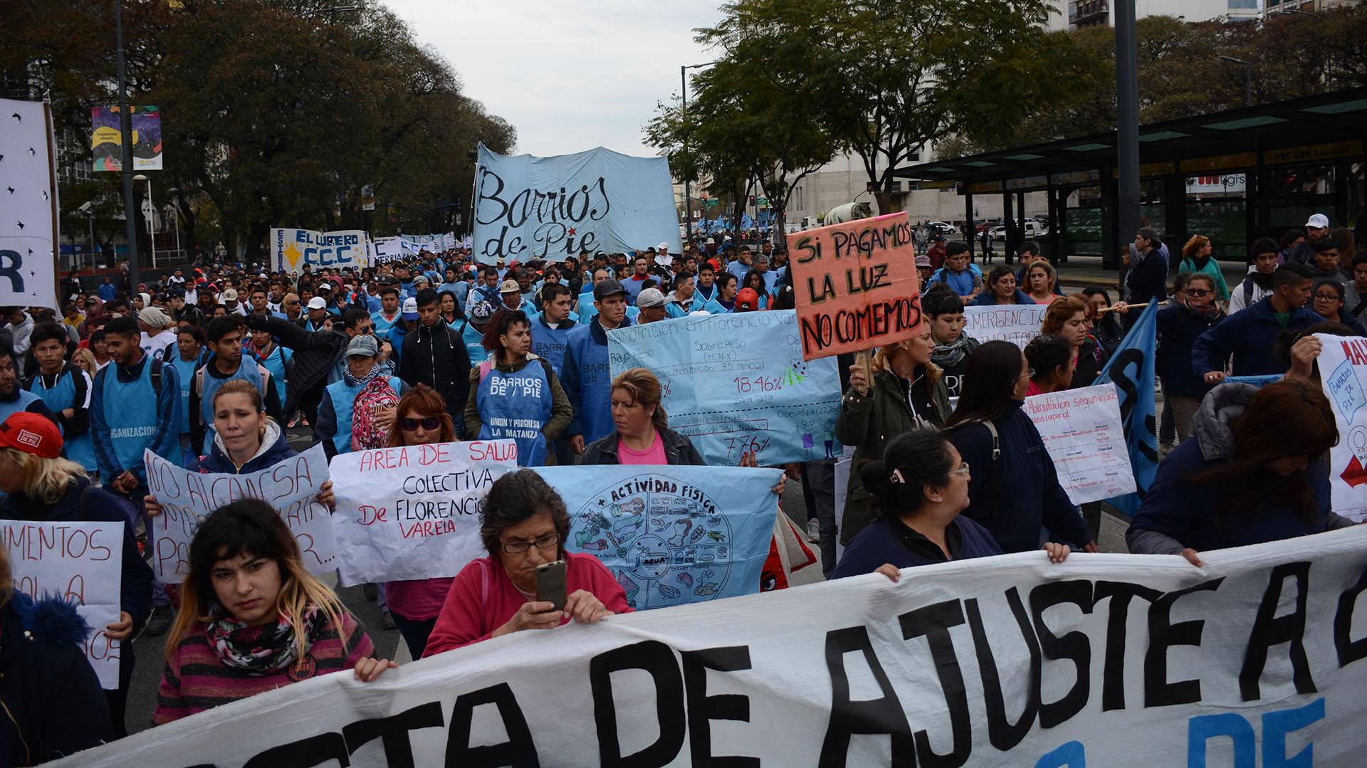 El reclamo de los manifestantes también incluyó el aumento de tarifas