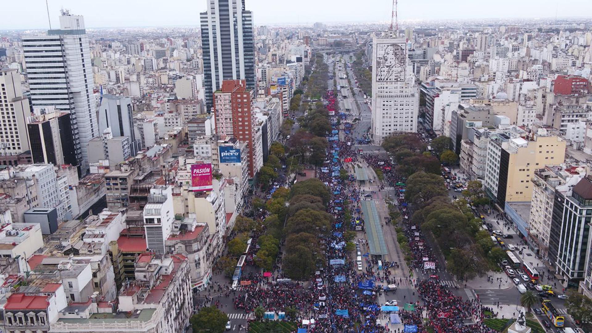 La marcha pobló la mayor parte de la avenida 9 de Julio