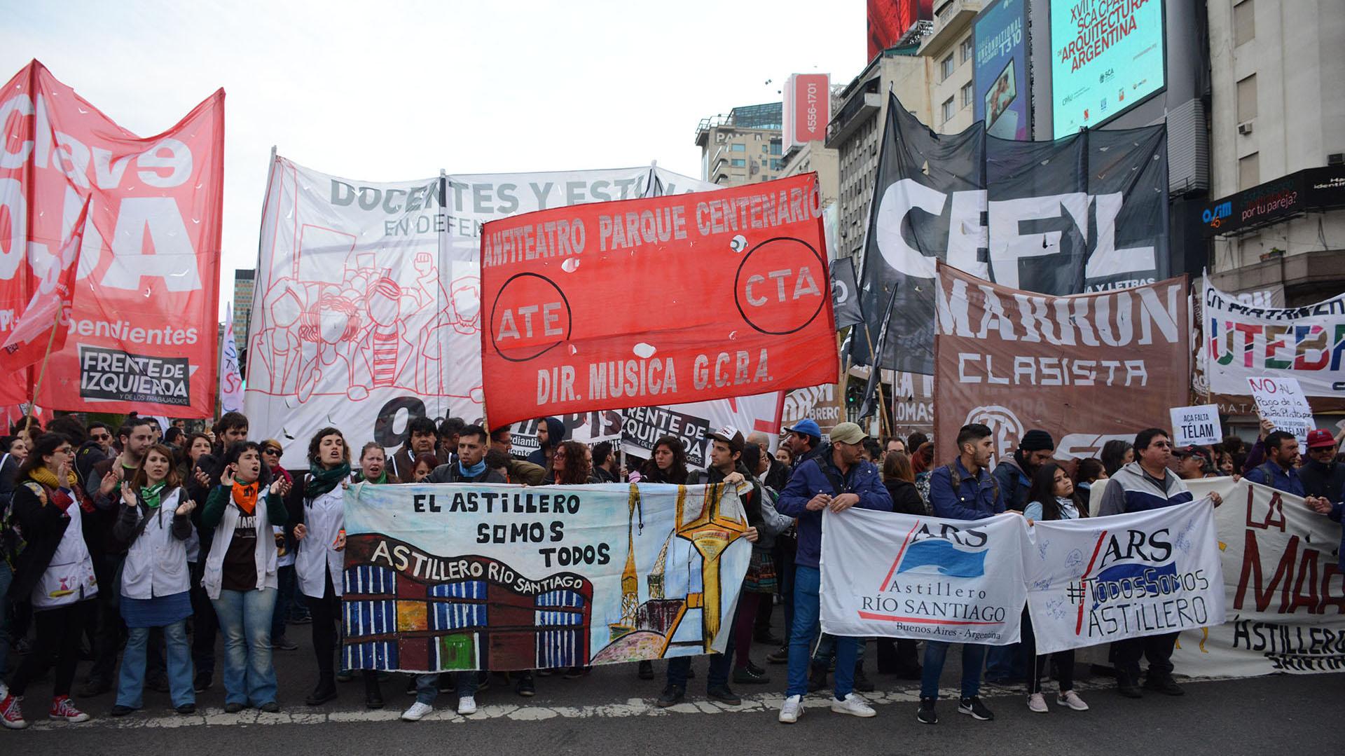 Manifestantes de ATE y la CTA también se sumaron a la marcha