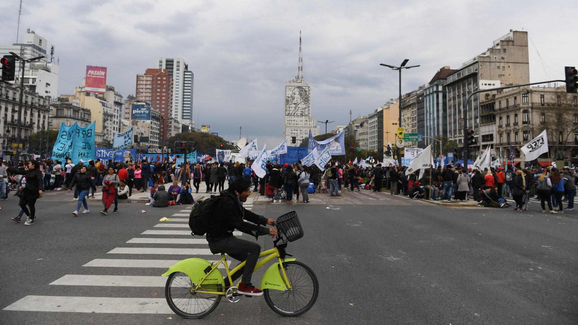 Una postal de la manifestación que pobló la principal avenida de la Ciudad