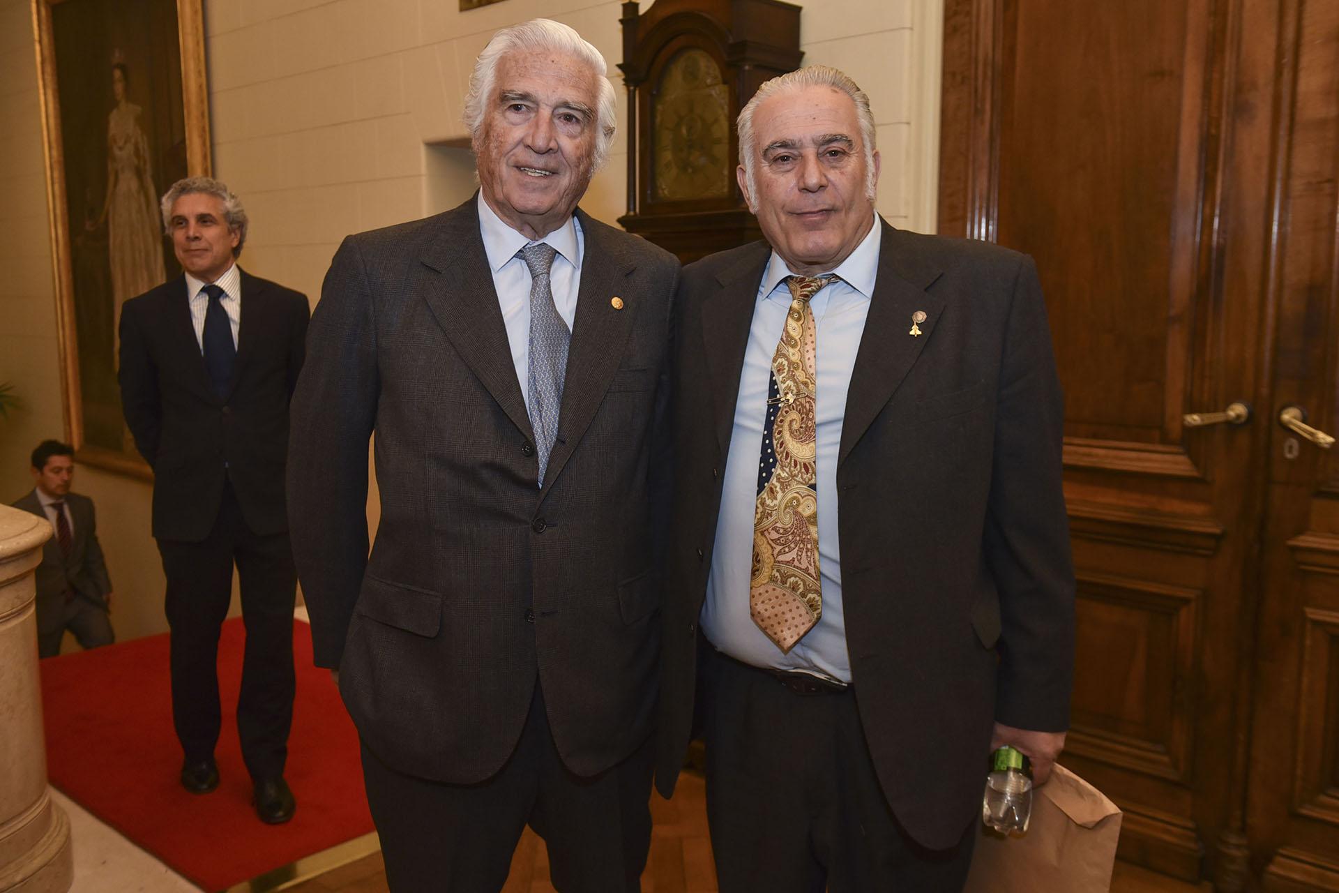 Luciano Miguens, distinguido en la disciplina Dirigentes Empresarios, y Oscar Camargo