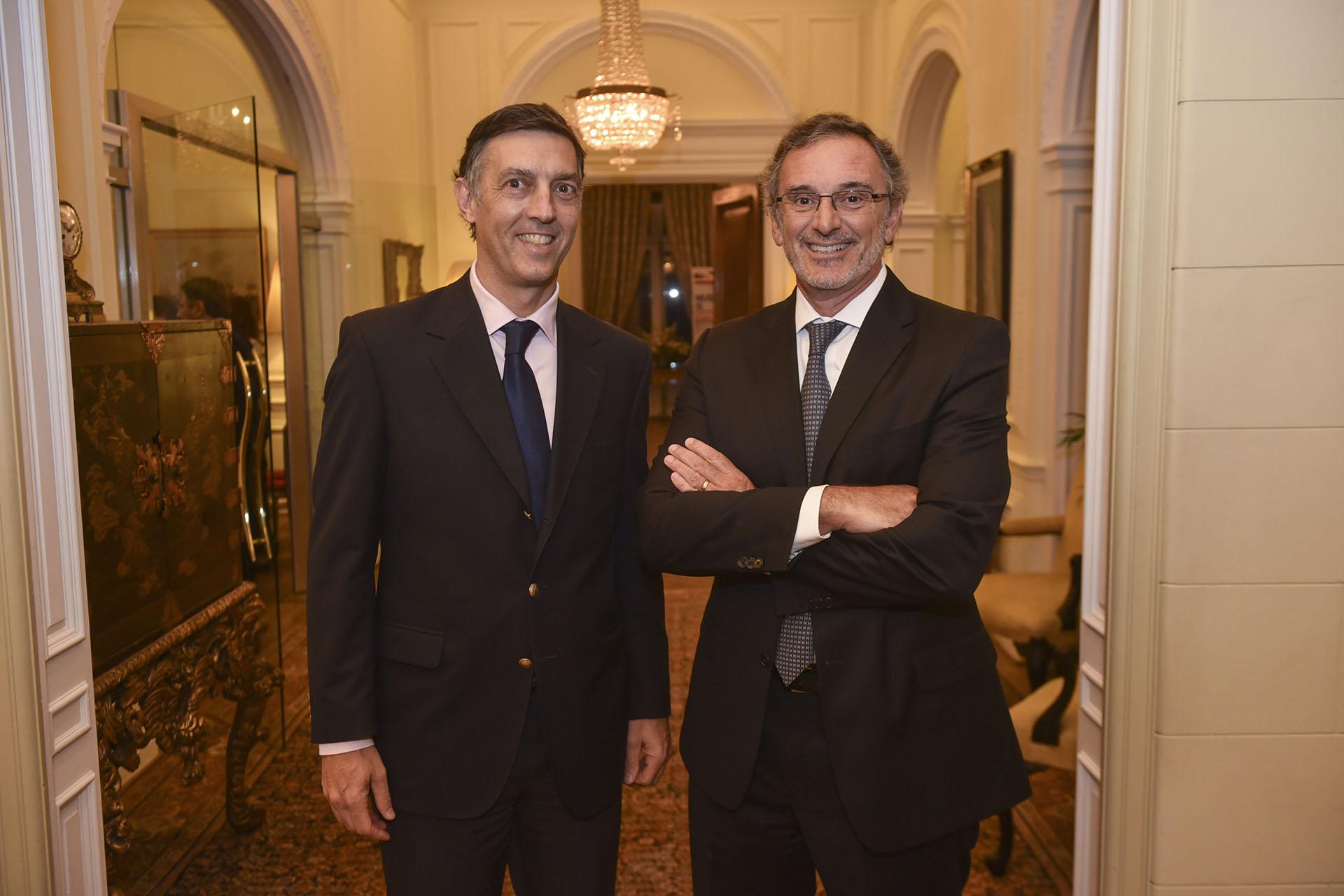 Facundo Gómez Minujín (distinguido en la disciplina Ejecutivos del Comercio, de la Banca y de los Servicios) y Claudio Cesario (Dirigentes Empresarios)