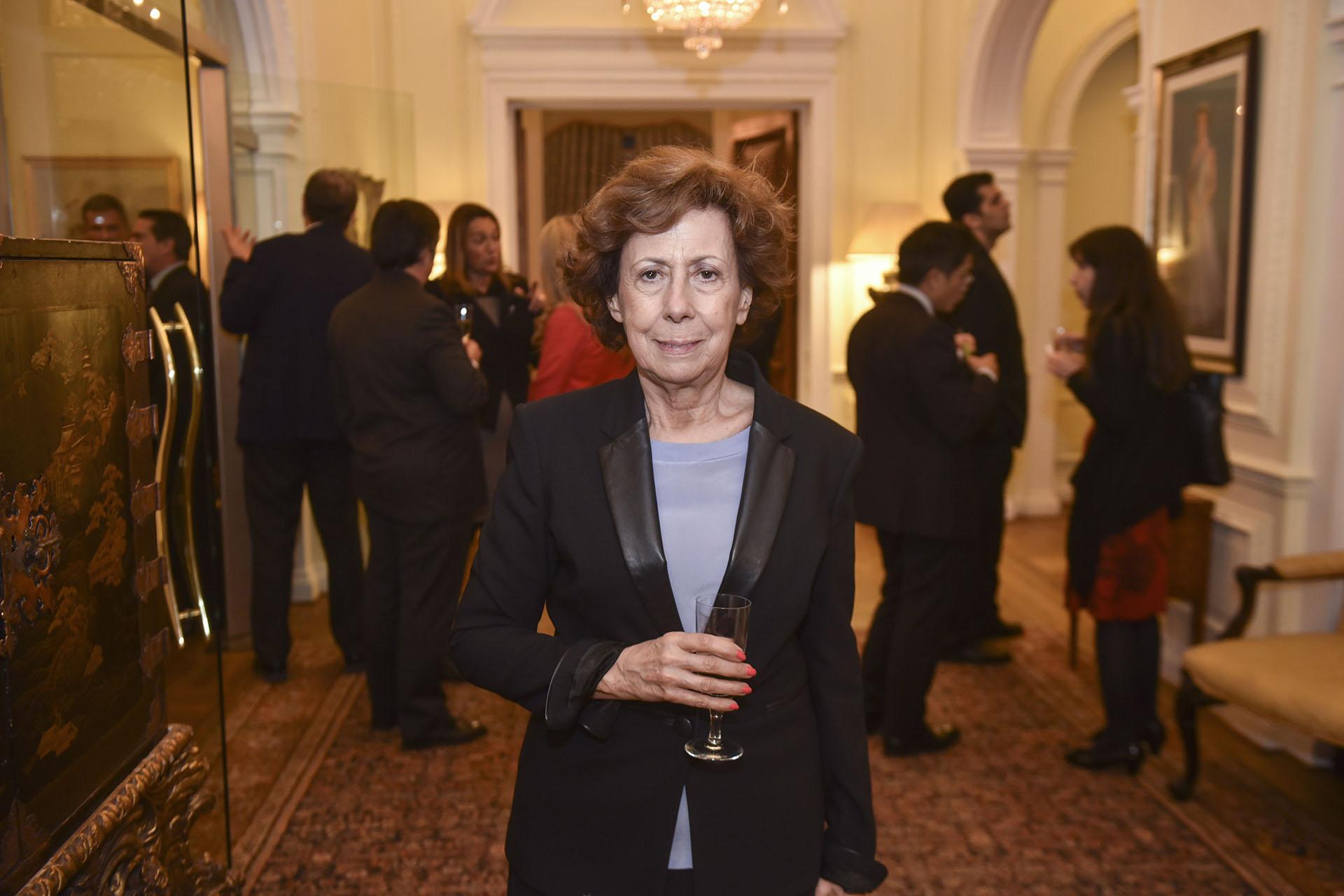 La Secretaria General del Gran Jurado, Clara Mariño (Konex de Platino 1997: Producción Periodística Audiovisual. Jurado Premios Konex 2017, 2007 y 1998)