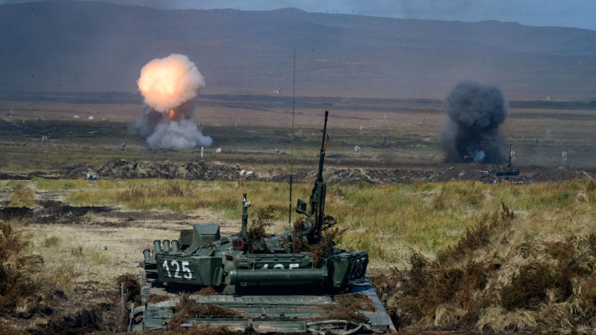 Un T-90 ruso frente a su blancos