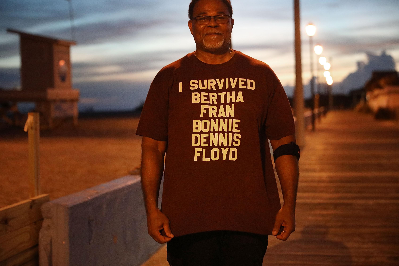 """""""Yo sobreviví a Bertha, Fran, Bonnie, Dennis, Floyd"""". Al Brookins, de Haverlock, recuerda los huracanes a los que ha enfrentado"""