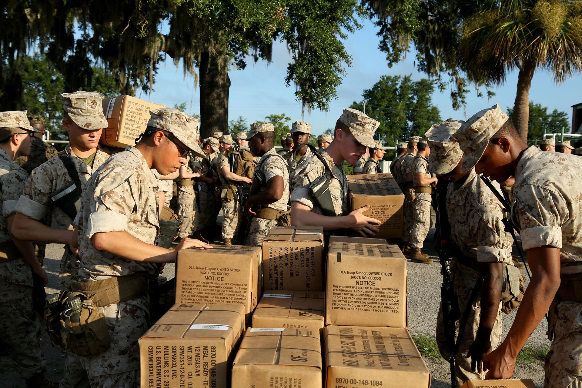 El Cuerpo de Marines de los Estados Unidos en Parris Island en preparativos para evacuación (REUTERS)