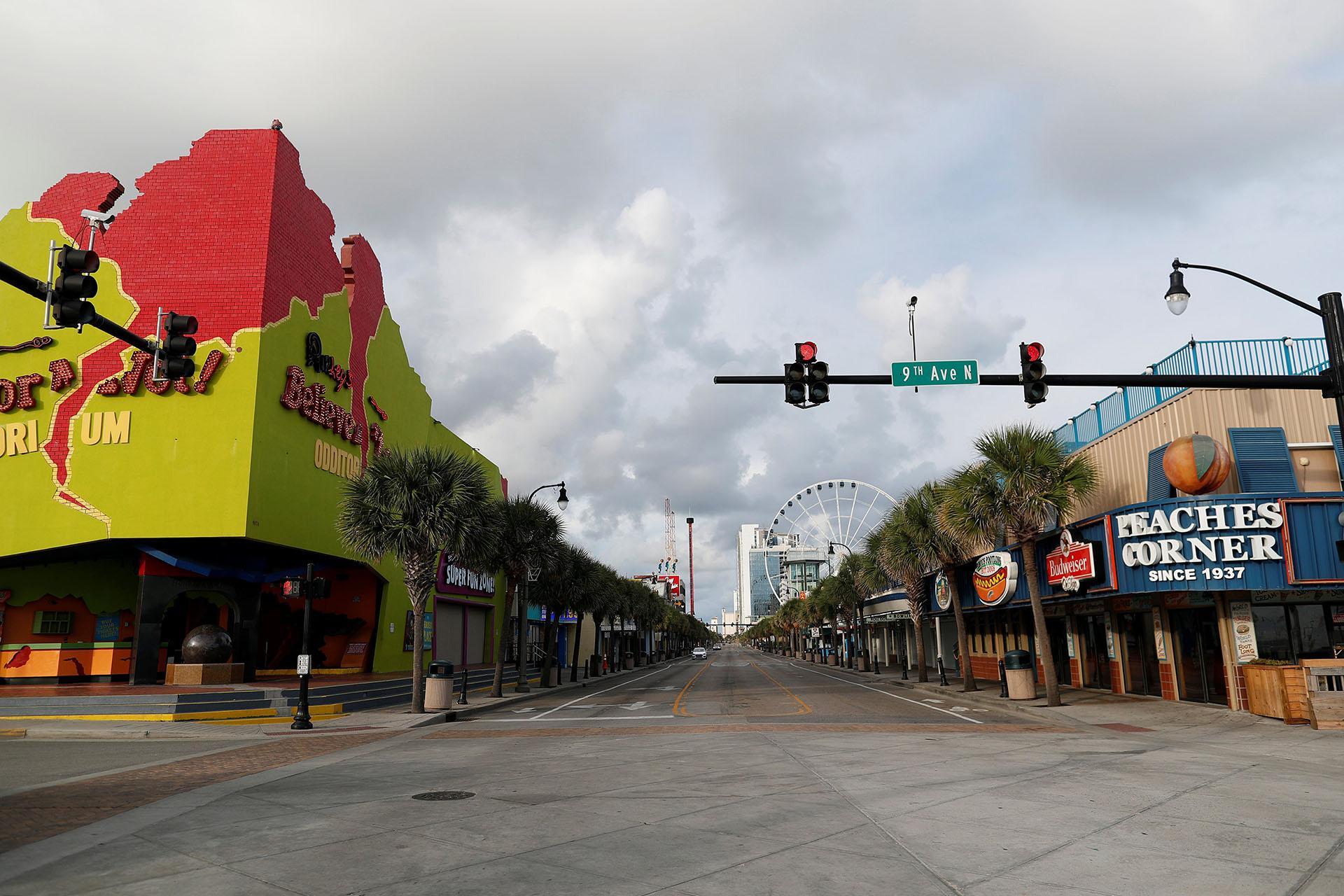 Ocean Boulevard vacío de turistas después de que se declararon las evacuaciones obligatorias para las áreas costeras de Carolina del Sur antes de la llegada del huracán Florence en Myrtle Beach, Carolina del Sur (REUTERS/Randall Hill)